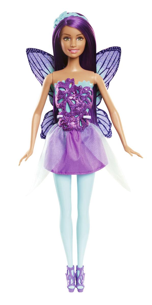 Barbie Кукла Фея цвет платья фиолетовыйCFF32_CFF34Кукла Barbie Фея прямо-таки излучает волшебство! Куколка с длинными фиолетовыми волосами одета в прекрасный наряд, состоящий из пластикового топа и текстильной юбочки. Топ оригинального покроя имеет удобную застежку. Снимающаяся атласная юбка контрастирует с лифом, а ноги в цветных колготках и волшебные босоножки добавляют необычности. Сияющие, подходящие по цвету крылья бабочки, которые легко пристегнуть, так и просятся в полет. Волшебный образ завершают диадема, тоже украшенная бабочкой. Головка, ручки и ножки Барби подвижны, что позволит придавать кукле различные позы. Одежда и аксессуары подходят всем куклам-принцессам, русалкам и феям (продаются отдельно). Можно воплощать привычных персонажей, а можно придумать новых: морскую фею, фею-принцессу, даже крылатую принцессу-русалку - кого потребует сюжет! Ваша малышка придет в восторг от такого подарка!