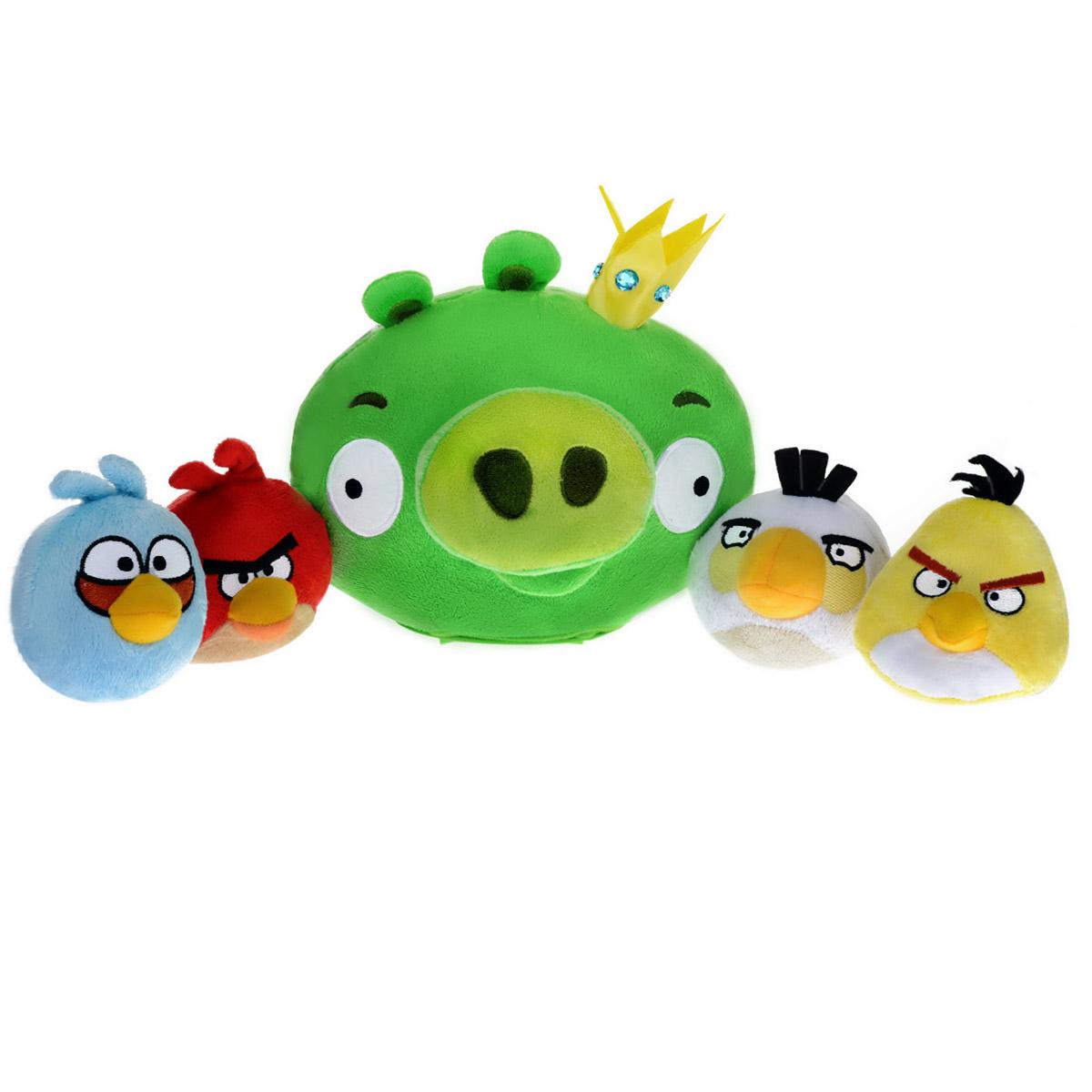 Интерактивная игра Angry Birds: Свинка в короне, 4 ПтичкиCTC-AB-3Интерактивная игра Angry Birds - это увлекательная игра для всей семьи, которая развивает меткость и ловкость. Цель игры - при помощи Птичек наказать зловредную Свинку, но это не так просто, ведь Свинка убегает и уворачивается. Необходимо включить Свинку и поставить на ровную поверхность. Игрушка, оснащенная датчиком движения, начнет перемещаться. Нужно запускать Птичек, стараясь попасть ими в Свинку. Игра предусматривает два режима: классический, в котором для победы нужно попасть Птичкой в свинку 3 раза подряд за короткий срок, и как попало!, в котором нельзя предугадать, от попадания какой Птички Свинка будет повержена. Свинка при движении и попаданиях в нее Птичек издает забавные звуки. В комплект игры входят мягкая интерактивная игрушка в виде Свинки в короне, четыре мягких игрушки в виде Птичек и правила игры на русском языке. Игрушки выполнены в виде персонажей популярной компьютерной игры Angry Birds. Ваш ребенок будет в восторге от такого подарка! ...