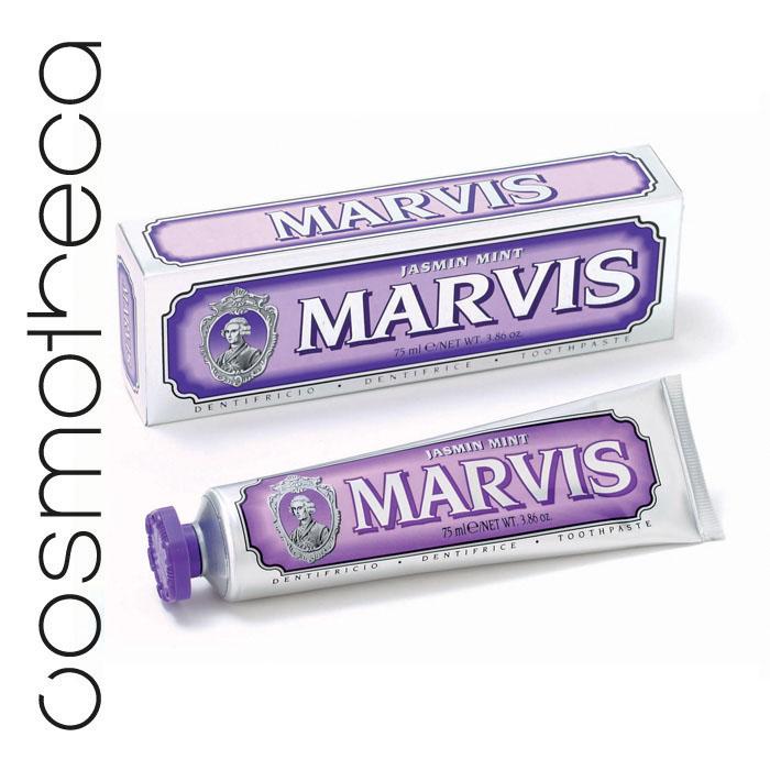 Marvis Зубная паста Мята и Жасмин 75 мл411085Зубная паста Мята и Жасмин- это удивительно гармоничная комбинация ароматного жасмина и свежей мяты, которая подарит вам свежее дыхание и отличное настроение на весь день. Фтор способствует укреплению зубной эмали, подавляя образование кислот бактериями зубного налета. Мягкие абразивные вещества нежно удаляют налет с зубов, не царапая эмаль, а мягко полируя ее.