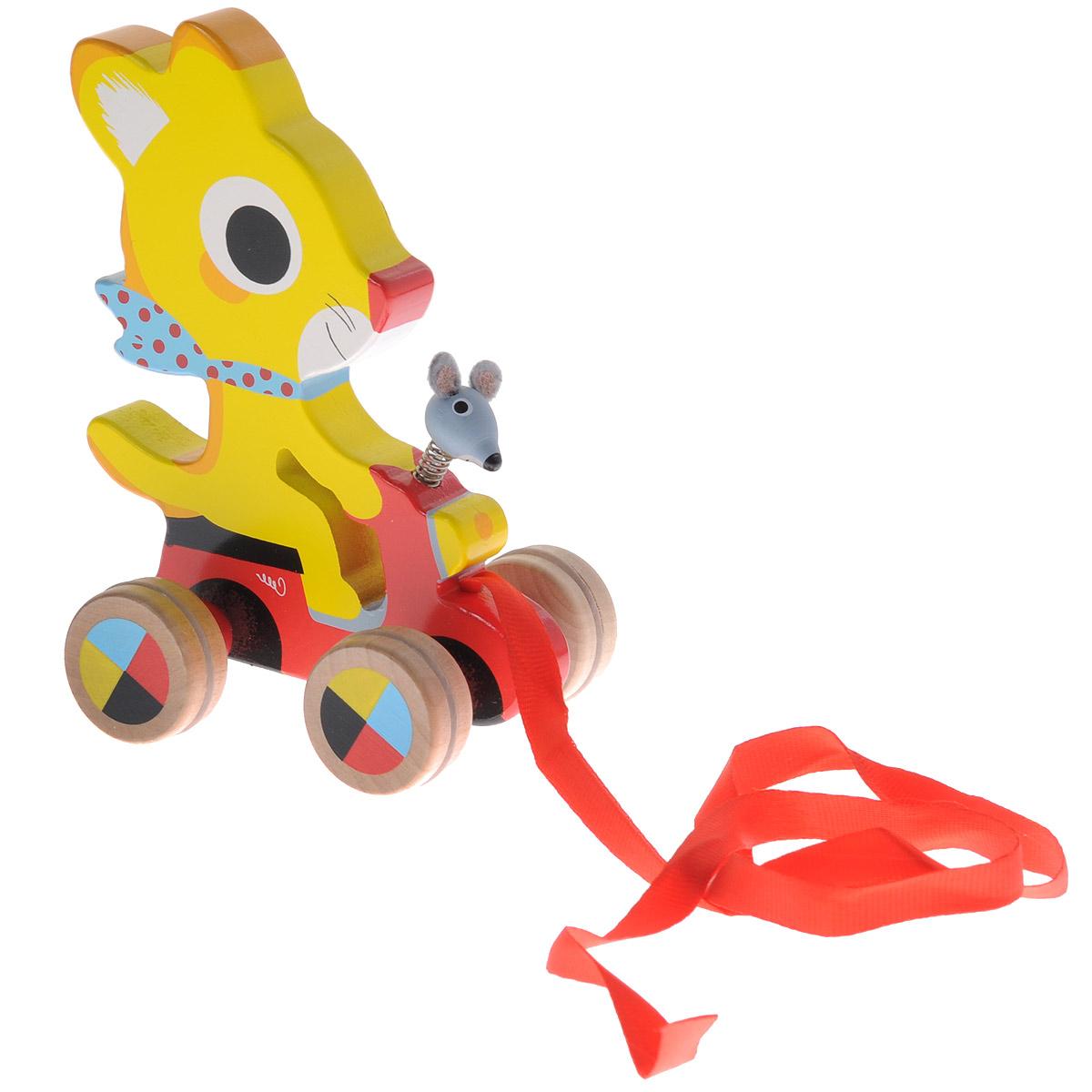 Djeco Деревянная игрушка-каталка Котенок06226Деревянная игрушка-каталка Djeco Котенок непременно понравится вашему малышу и подойдет для игры как дома, так и на свежем воздухе. Она выполнена из дерева с использованием нетоксичных красок в виде котенка на машинке. Также к игрушке на металлическую пружинку крепится голова мышонка. Края игрушки закруглены, чтобы избежать вероятности травмирования. Каталка оснащена четырьмя колесиками, оформленными рисунком в виде цветных вставок. За текстильную ленточку малыш сможет возить игрушку за собой. Игрушка-каталка Djeco Котенок развивает пространственное мышление, цветовое восприятие, ловкость, равновесие и координацию движений.