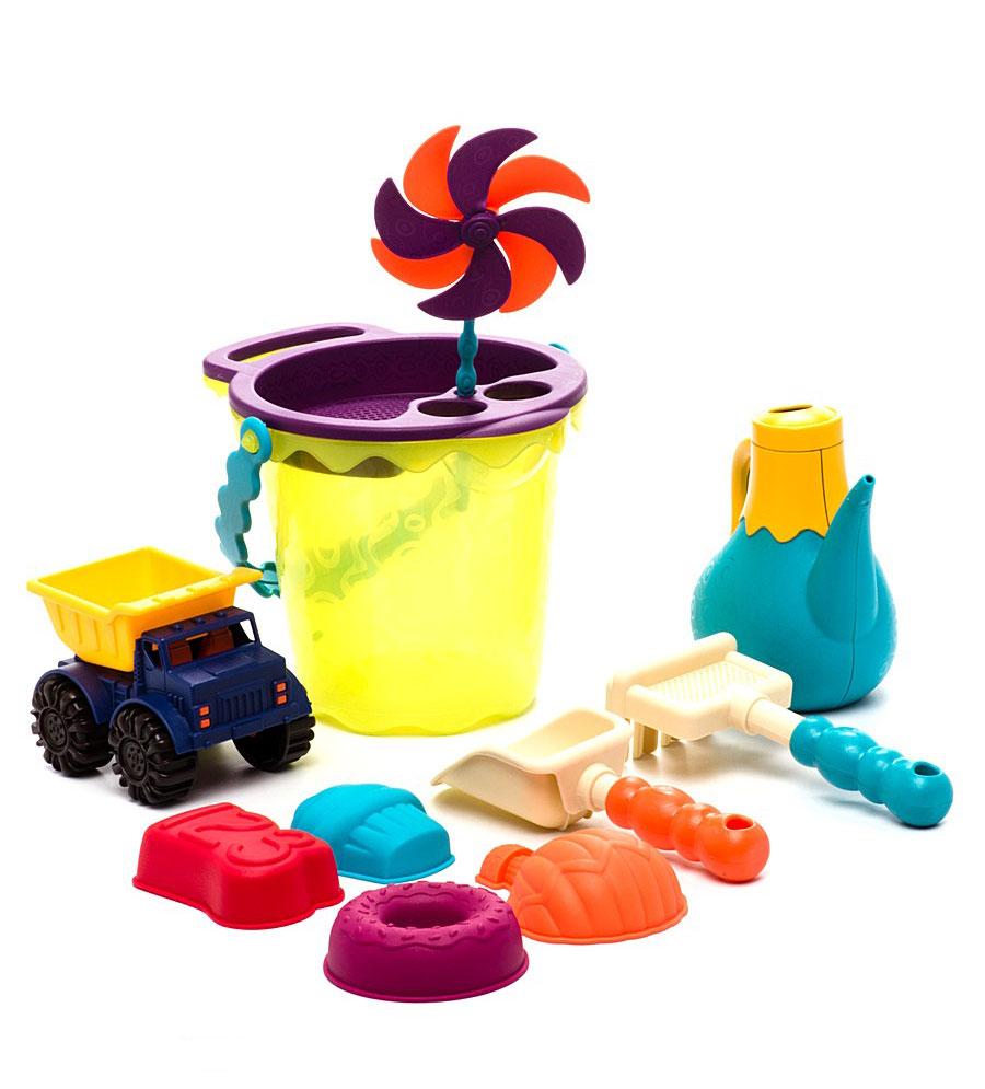 Набор для песочницы Battat Ready Beach Bag, с машинкой, 11 предметов. 6870368703Набор для песочницы Battat Ready Beach Bag сделает игры в песке еще более увлекательными и захватывающими. Набор включает в себя 11 предметов: машинку, 4 формочки, лопатку, грабельки, ведерко с забавной ручкой, ситечко, вертушку и лейку. Все элементы набора изготовлены из высококачественного безопасного пластика и имеют яркие приятные цвета. Машинка выполнена в виде самосвала с просторным откидывающимся кузовом, в котором можно перевозить важнейший элемент стройки - песок. Колесики машинки вращаются. Формочки выполнены в виде башен, с их помощью малыш слепит потрясающий песочный замок. Грабельки имеют отверстия, сквозь которые можно просеивать песок. Элементы набора упакованы в прозрачную пластиковую сумку на застежки-молнии с сетчатым дном. Игры в песке способствуют развитию мелкой моторики ребенка, координации движений, тактильного и цветового восприятия, а также воображения и творческого мышления. А с набором для песочницы Battat Ready Beach Bag играть...