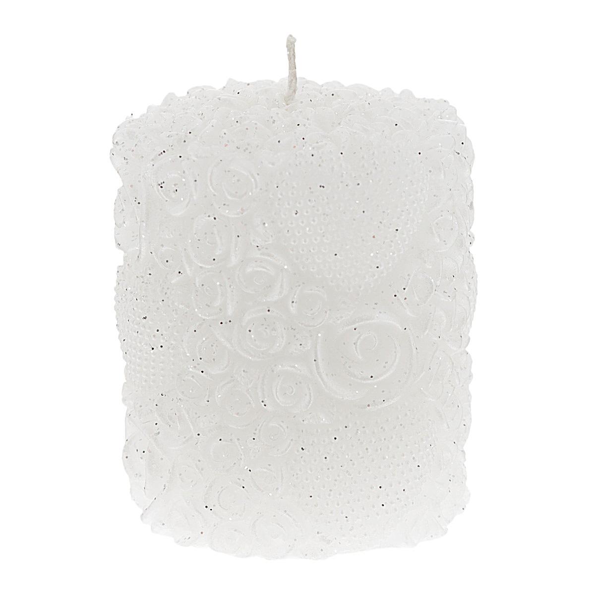 Свеча декоративная Win Max Белые розы, цвет: белый, 7 х 8 см94477Декоративная свеча Win Max Белые розы изготовлена из парафина в форме столбика и украшена рельефным узором из роз и сердец, покрытых блестками. Свеча будет отличным украшением интерьера и подарком на свадьбу или торжество. Свеча упакована в прозрачную пластиковую коробку и украшена бантиком. Декоративная свеча Win Max Белые розы принесет в ваш дом волшебство и ощущение праздника. Создайте в своем доме атмосферу веселья и радости, и тогда самый обычный день с легкостью превратится в торжество. Размер свечи: 7 см х 8 см.