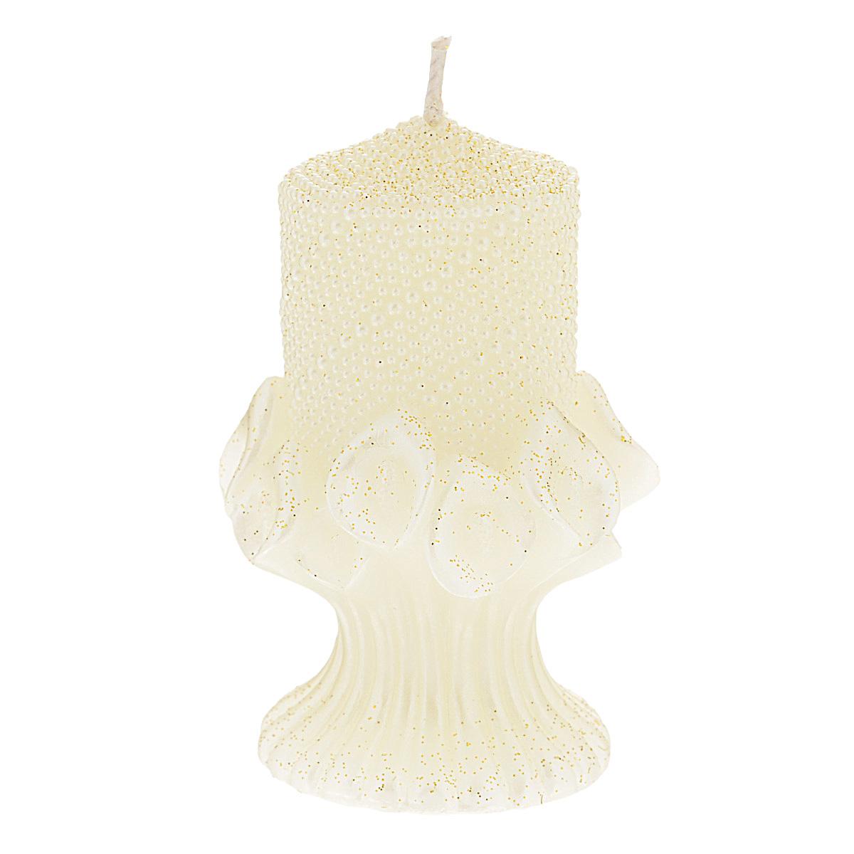 Свеча декоративная Win Max Каллы, цвет: кремовый, 6 см х 6 см х 10 см94480Декоративная свеча Win Max Каллы станет изюменкой в праздничном оформлении вашего интерьера. Изготовлена из парафина и декорирована рельефным узором и золотыми блестками. Основание свечи представляет собой цветочную композицию из калл. Свеча будет отличным подарком на свадьбу или торжество. Упакована в прозрачную пластиковую коробку и украшена бантом. Декоративная свеча Win Max Каллы принесет в ваш дом волшебство и ощущение праздника. Создайте в своем доме атмосферу веселья и радости, и тогда самый обычный день с легкостью превратится в торжество.