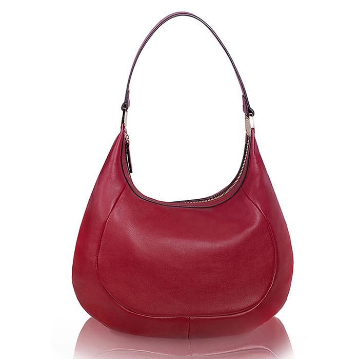 Сумка женская Renee Kler, цвет: красный. RK242-19RK242-19Классическая женская сумка Renee Kler изготовлена из искусственной кожи и исполнена в лаконичном стиле. Основания ручки оформлены декоративными элементами из металла золотистого цвета. Изделие закрывается на удобную застежку-молнию. Внутреннее вместительное отделение содержит накладные карманы для мелочей, телефона и врезной карман на застежке-молнии. На тыльной стороне - втачной карман на застежке-молнии. Изделие упаковано в фирменный чехол. Изысканная сумка внесет элегантные нотки в ваш образ и подчеркнет ваше отменное чувство стиля.