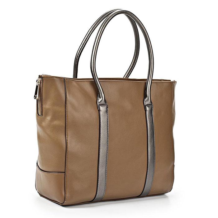 Сумка женская Renee Kler, цвет: песочный. RK121-04RK121-04Изысканная женская сумка Renee Kler изготовлена из искусственной кожи, оформлена прострочками и декоративными молниями по бокам. Изделие закрывается на удобную застежку-молнию. Внутри - одно вместительное отделение, несколько накладных карманчиков для мелочей, телефона, втачной карман на застежке-молнии и врезной карманчик на застежке-молнии. Задняя сторона сумки дополнена втачным карманом на застежке-молнии. Роскошная сумка внесет элегантные нотки в ваш образ и подчеркнет ваше отменное чувство стиля.