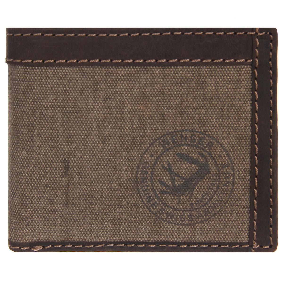 Портмоне мужское Wenger, цвет: коричневый. W19-03W19-03BROWNТрендовое мужское портмоне Wenger изготовлено из натуральной кожи и текстиля и оформлено светлой прострочкой, а также логотипом бренда на лицевой стороне. Внутри - одно отделение для купюр, отсек для мелочи на застежке-кнопке, два боковых кармана и четыре прорези для визиток и кредитных карт. Перекидной блок дополнен четырьмя прорезями, боковым карманом и карманом с окошком из прозрачного пластика. Внутренняя поверхность отделана твилом с узором гусиная лапка. Портмоне упаковано в фирменную коробку. Модное портмоне Wenger займет достойное место среди вашей коллекции аксессуаров. По всем вопросам гарантийного и постгарантийного обслуживания рюкзаков, чемоданов, спортивных и кожаных сумок, а также портмоне марок Wenger и SwissGear вы можете обратиться в сервис-центр, расположенный по адресу: г. Москва, Саввинская набережная, д.3. Тел: (495) 788-39-96, (499) 248-56-56, ежедневно с 9:00 до 21:00. Подробные условия гарантийного обслуживания...