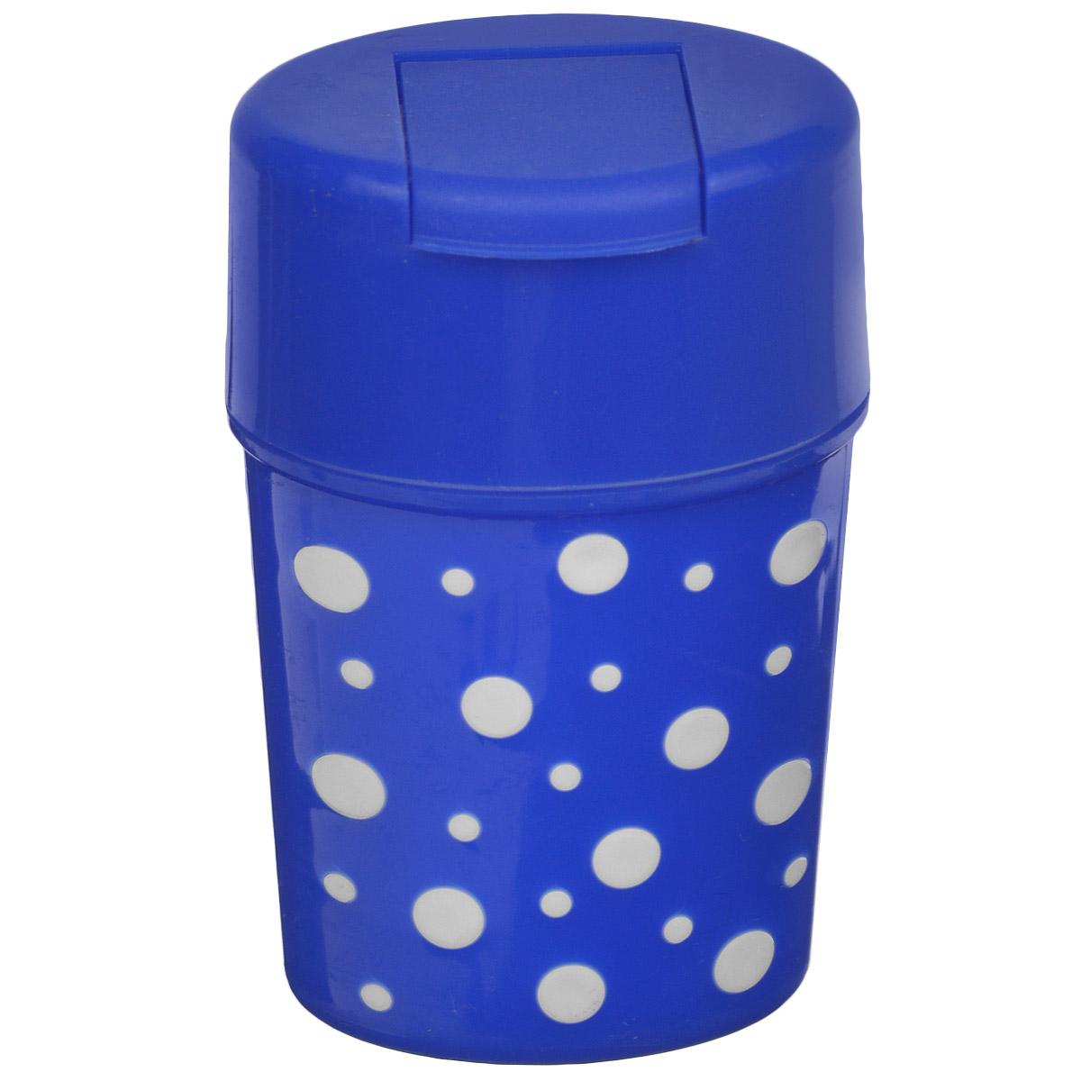 Солонка Альтернатива Горошек, цвет: синий, белый, 5,5 х 4,5 х 8 смM3814Солонка Альтернатива Горошек изготовлена из пластика. Она легка в использовании, стоит только открыть крышку, и вы с легкостью сможете посолить по своему вкусу любое блюдо. Солонка такого дизайна будет отлично смотреться на вашей кухне.