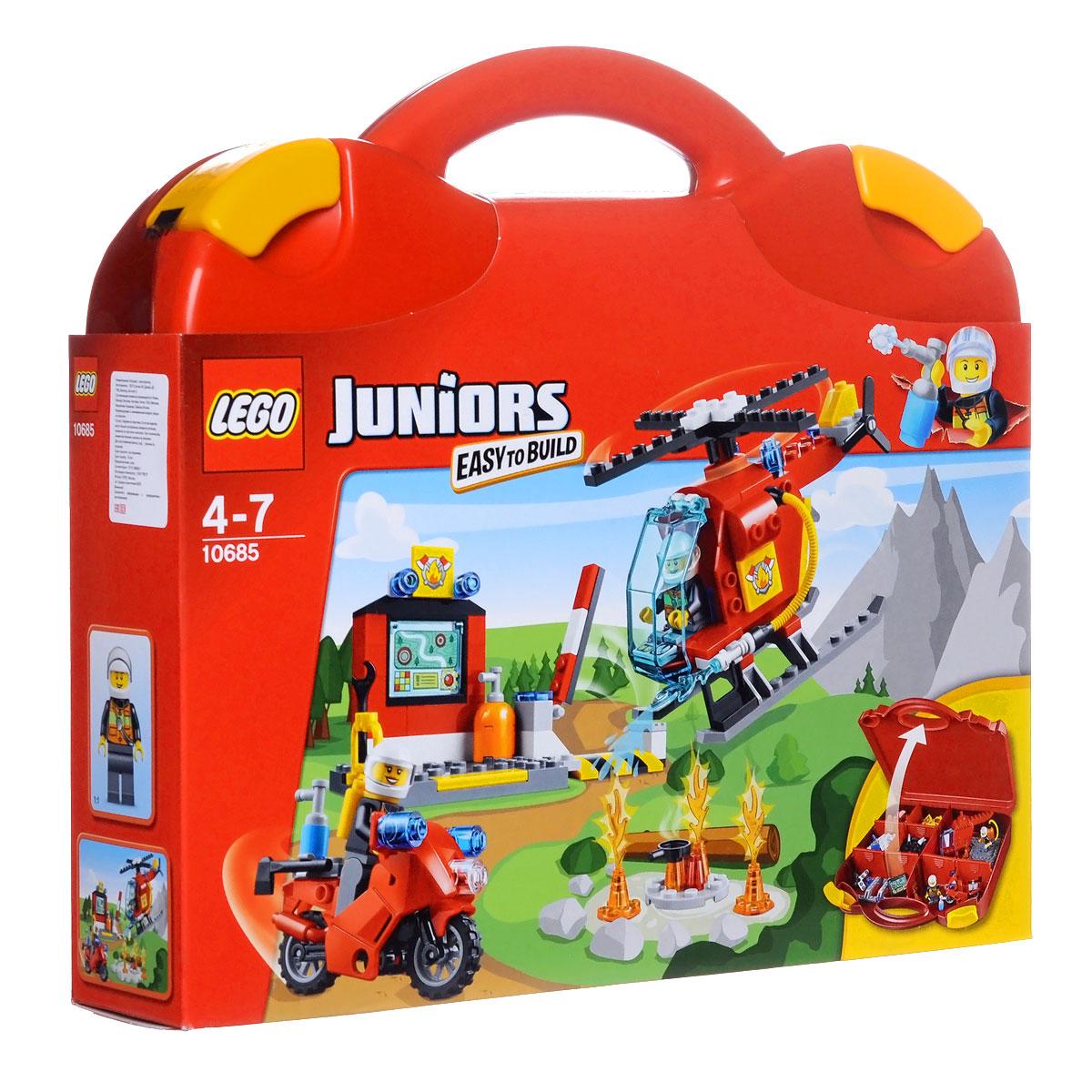 LEGO Juniors Конструктор Чемоданчик Пожар10685Туши пожар с помощью чемоданчика LEGO Juniors Пожарная станция! Построй пожарный вертолет, пожарный мотоцикл и центральную станцию, а затем помоги пожарным спасти положение! Этот набор для начинающих очень прост в сборке. Понятные инструкции позволяют детям быстро получить результат и приступить к игре. Этот красочный игровой набор содержит 113 пластиковых элементов для сборки, в том числе две фигурки пожарных, а также инструкцию по сборке. Конструктор упакован в удобный пластиковый чемоданчик. Конструктор - это один из самых увлекательнейших и веселых способов времяпрепровождения. Ребенок сможет часами играть с конструктором, придумывая различные ситуации и истории. В процессе игры с конструкторами LEGO дети приобретают и постигают такие необходимые навыки как познание, творчество, воображение. Обычные наблюдения за детьми показывают, что единственное, чему они с удовольствием посвящают время, - это игры. Игра - это состояние души, это веселый опыт познания...