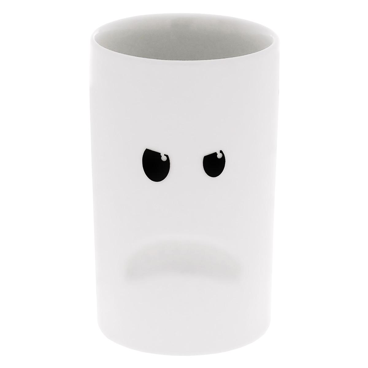 Кружка Thabto Mood Mugs, цвет: черный, белый, 150 мл. MOOD MOMOOD MOКружка с двойными стенками Thabto Mood Mugs выполнена из высококачественного фарфора и оформлена красочным изображением хмурого смайлика. Такая кружка сделает чаепитие еще приятнее. Может послужить приятным и практичным сувениром. Объем: 150 мл. Диаметр кружки по верхнему краю: 7,5 см. Высота кружки: 12 см.