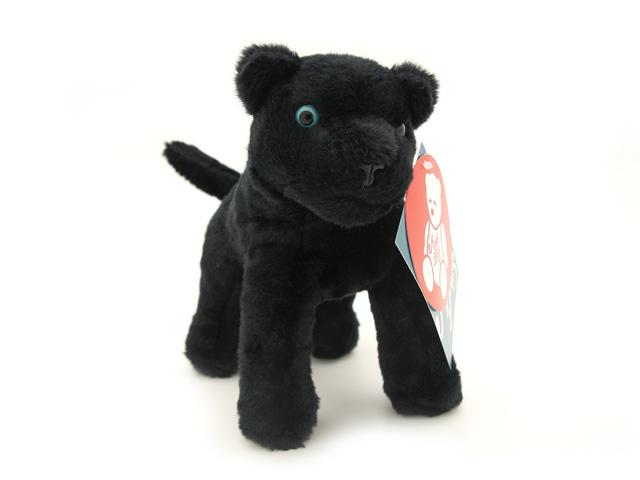 Мягкая игрушка Magic Bear Toys Черная пантера, 18 см7BAO18BLОчаровательная игрушка Magic Bear Toys Черная пантера изготовлена из нетоксичных экологически чистых материалов. Глазки и носик выполнены из пластика. Зверек обладает мягкой шерсткой, выполненной из искусственного меха. Голова игрушки имеет уплотненный каркас. Для набивки используется силиконизированное волокно. Удивительная мягкая игрушка принесет радость и подарит своему обладателю мгновения нежных объятий и приятных воспоминаний. Великолепное качество исполнения делают эту игрушку чудесным подарком к любому празднику. Трогательная и симпатичная, она непременно вызовет улыбку у детей и взрослых.
