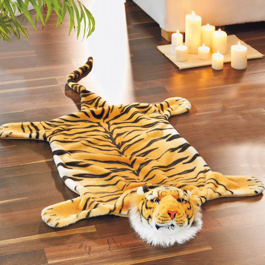 Мягкая игрушка Magic Bear Toys Тигр, 110 смTCP110BRМягкие игрушки натуральной серии, созданы максимально точно и визуально похожи на представителей дикой фауны и наших любимых домашних животных. Вы сможете окунуться и попасть на просторы дикой природы где найдете тигров, леопардов, пантер, лошадей. Для ребенка это будет отличный подарок и игрушка станет для настоящим другом, которая всегда будет рядом с ним.