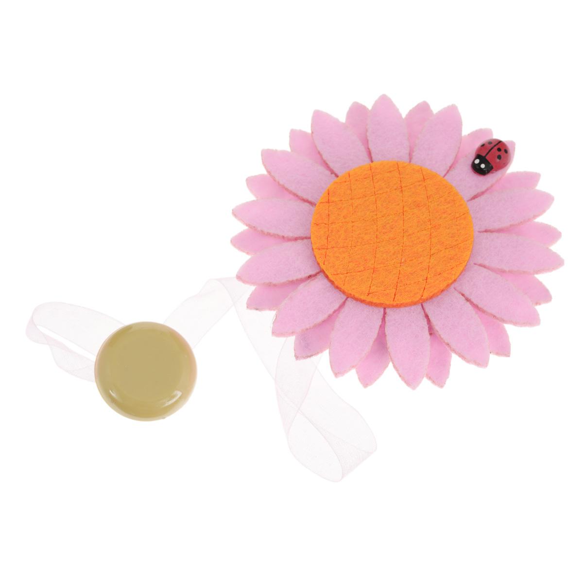 Клипса-магнит для штор Calamita Fiore, цвет: светло-розовый, оранжевый. 7704012_5497704012_549Клипса-магнит Calamita Fiore, изготовленная из пластика и текстиля, предназначена для придания формы шторам. Изделие представляет собой два магнита, расположенные на разных концах текстильной ленты. Один из магнитов оформлен декоративным цветком. С помощью такой магнитной клипсы можно зафиксировать портьеры, придать им требуемое положение, сделать складки симметричными или приблизить портьеры, скрепить их. Клипсы для штор являются универсальным изделием, которое превосходно подойдет как для штор в детской комнате, так и для штор в гостиной. Следует отметить, что клипсы для штор выполняют не только практическую функцию, но также являются одной из основных деталей декора этого изделия, которая придает шторам восхитительный, стильный внешний вид.