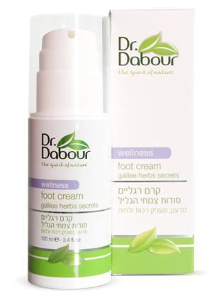 Dr. Dabour Крем для ног, 100 мл7290014739086Крем для ухода за сухой и потрескавшейся кожей ног на основе натуральных масел и растительных экстрактов. Предотвращает образование воспалений и трещин, смягчает и освежает кожу стоп, быстро впитывается, не оставляя ощущения липкости. В ходе клинических испытаний крем показал хорошие результаты в лечении синдрома диабетической стопы, профилактике грибковых заболеваний и эффективного устранения неприятного запаха.