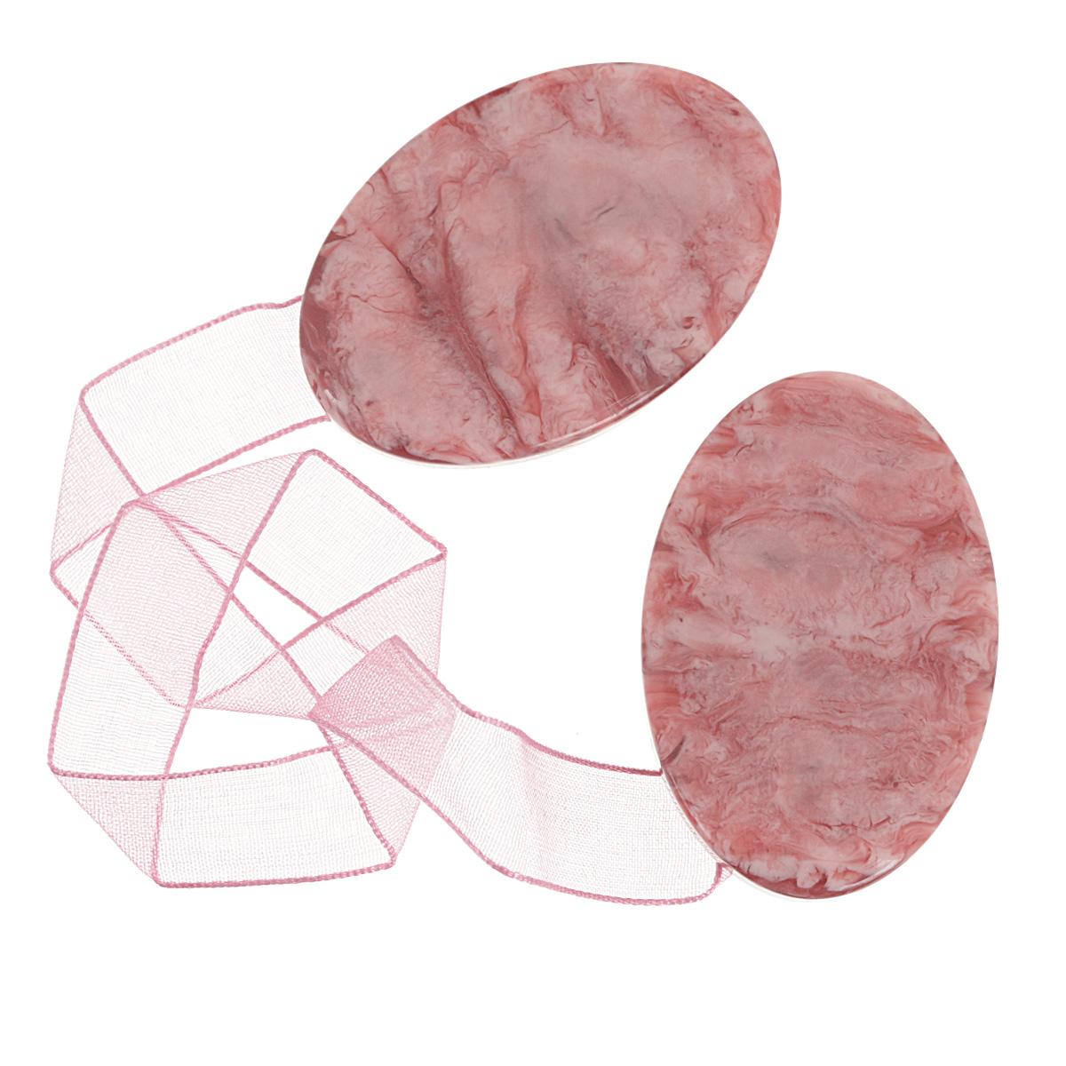 Клипса-магнит для штор Calamita Fiore, цвет: розовый. 675265_554675265_554Клипса-магнит Calamita Fiore, изготовленная из пластика, предназначена для придания формы шторам. Изделие представляет собой два магнита овальной формы, расположенные на разных концах текстильной ленты. С помощью такой магнитной клипсы можно зафиксировать портьеры, придать им требуемое положение, сделать складки симметричными или приблизить портьеры, скрепить их. Клипсы для штор являются универсальным изделием, которое превосходно подойдет как для штор в детской комнате, так и для штор в гостиной. Следует отметить, что клипсы для штор выполняют не только практическую функцию, но также являются одной из основных деталей декора этого изделия, которая придает шторам восхитительный, стильный внешний вид.