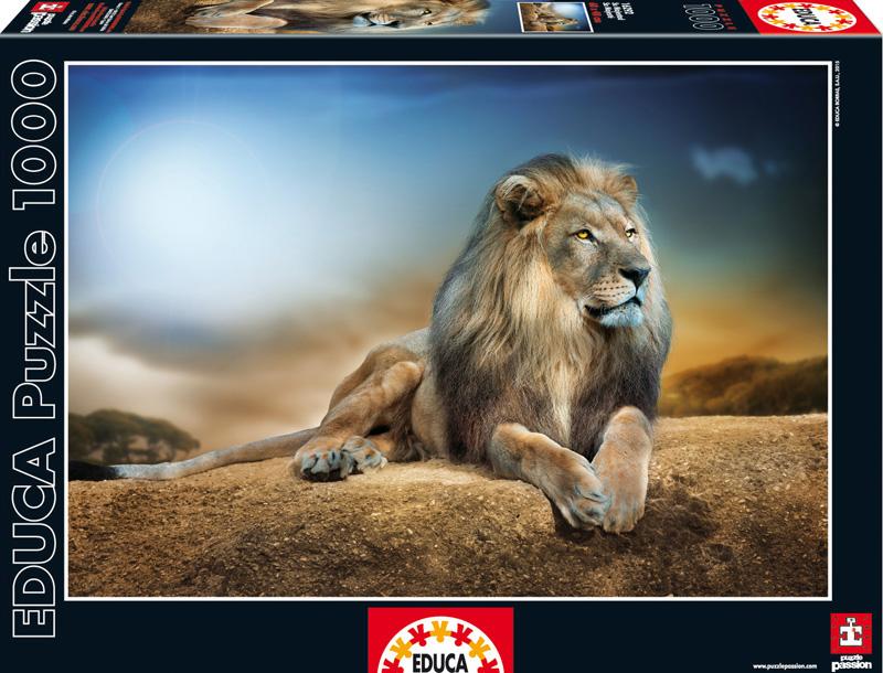 Его Величество. Пазл, 1000 элементов16292Пазл Educa Его Величество непременно придется по душе вам и вашему ребенку. Собрав этот пазл, включающий в себя 1000 элементов, вы получите оригинальный постер с изображением льва, гордо лежащего и смотрящего вдаль. Пазл выполнен из высококачественных материалов, что обеспечивает идеальное прилегание деталей. Кроме того, после сборки вы сможете склеить части мозаики. Клей FixPuzzle в комплекте. Компания Educa имеет уникальный сервис: бесплатная доставка в любую точку мира потерянной детали. Пазл - великолепная игра для семейного досуга. Сегодня собирание пазлов стало особенно популярным, главным образом, благодаря своей многообразной тематике, способной удовлетворить самый взыскательный вкус. А для детей это не только интересно, но и полезно. Собирание пазла развивает мелкую моторику у ребенка, тренирует наблюдательность, логическое мышление, знакомит с окружающим миром, с цветом и разнообразными формами.