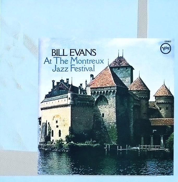 Издание содержит 10-страничный буклет с фотографиями и дополнительной информацией на английском языке.