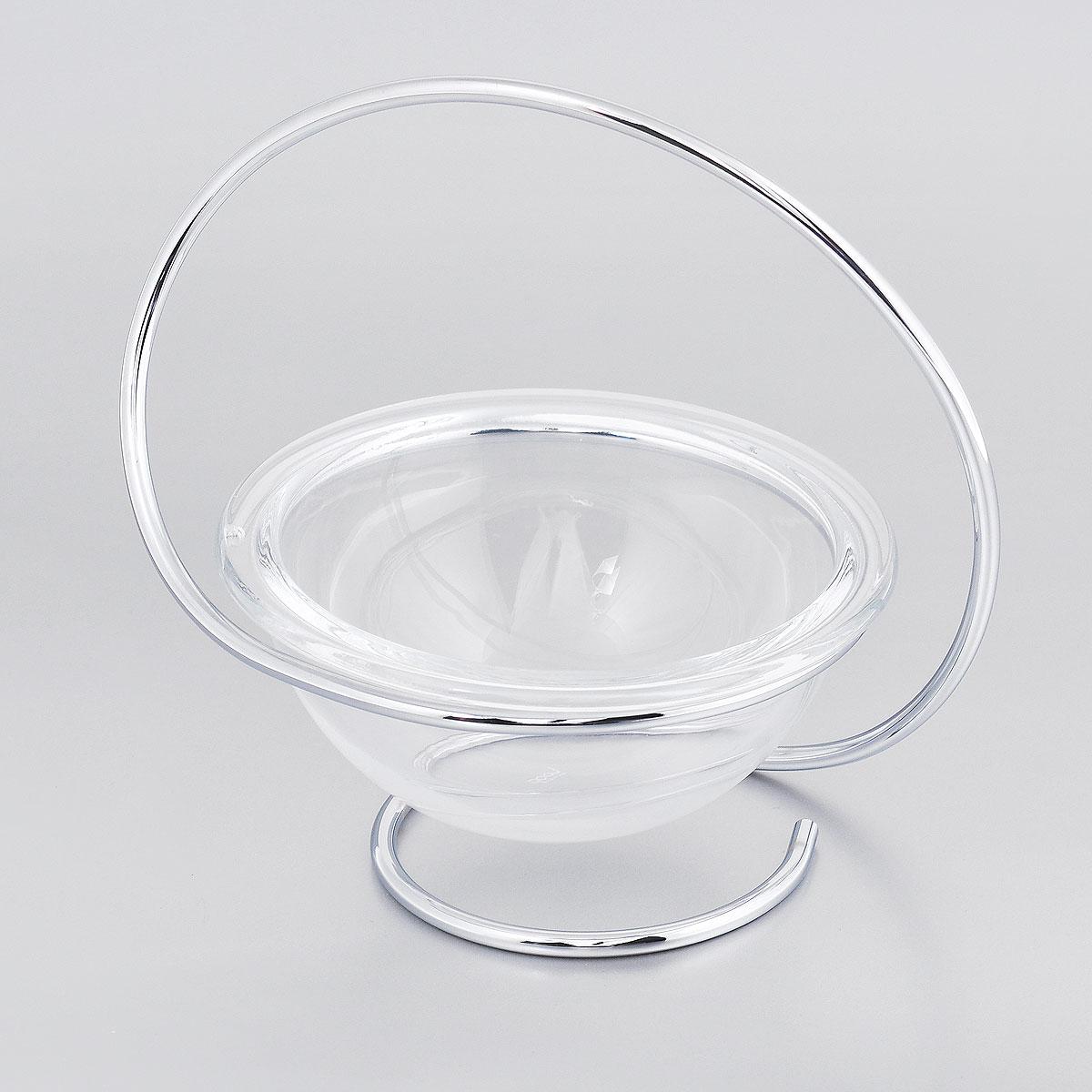 Чаша Black+Blum Loop, на подставке, диаметр 12 смNO002Чаша на подставке Black+Blum Loop имеет элегантную и лаконичную форму. Подставка выполнена непрерывной стальной нитью с хромированным покрытием, извивающейся по законам спирали Фибоначчи. Стеклянная чаша для различных закусок и сладостей завершают идеальную композицию. Безупречность линий, стиль, изящество и гармония объединяют коллекцию Loop Maison. Дизайнеры марки Black+Blum при разработке коллекции вдохновились формами спирали Фибоначчи. Контуры этой спирали встречаются в природе повсюду: и в форме маленькой ракушки, и в изгибе большой волны. По своим пропорциям она приближается к Золотому сечению, которое лежит в основе красоты и гармонии окружающего мира. Такая чаша станет украшением вашей кухни, а также замечательным подарком всем ценителям красоты. Диаметр чаши: 12 см. Высота подставки: 15 см.