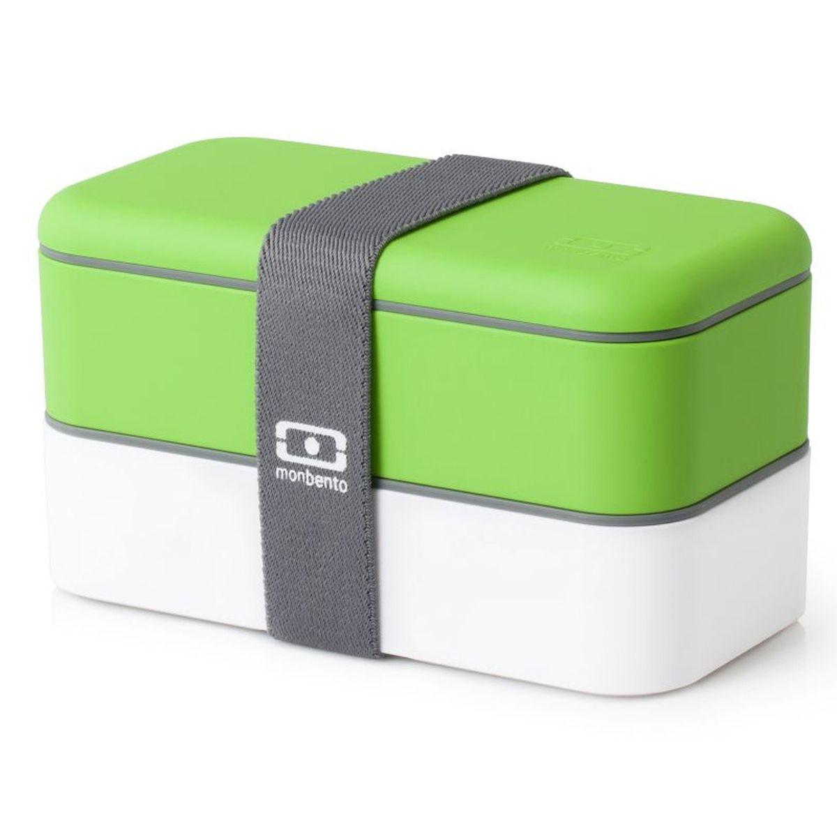 Ланч-бокс Monbento Original, цвет: зеленый, белый, 1 л1200 02 105Ланчбокс Monbento Original изготовлен из высококачественного пищевого пластика с приятным на ощупь прорезиненным покрытием soft-touch. Предназначен для хранения и переноски пищевых продуктов. Ланчбокс представляет собой два прямоугольных контейнера, в которых удобно хранить различные блюда. В комплекте также предусмотрена емкость для соуса, которая удобно помещается в одном из контейнеров. Контейнеры вакуумные, что позволяет продуктам дольше оставаться свежими и вкусными. Боксы дополнительно фиксируются друг над другом эластичным ремешком. Компактные размеры позволят хранить ланчбокс в любой сумке. Его удобно взять с собой на работу, отдых, в поездку. Теперь любимая домашняя еда всегда будет под рукой, а яркий дизайн поднимет настроение и подарит заряд позитива. Можно использовать в микроволновой печи и для хранения пищи в холодильнике, можно мыть в посудомоечной машине. В крышке каждого контейнера - специальная пробка, которую надо вытащить, если вы разогреваете...