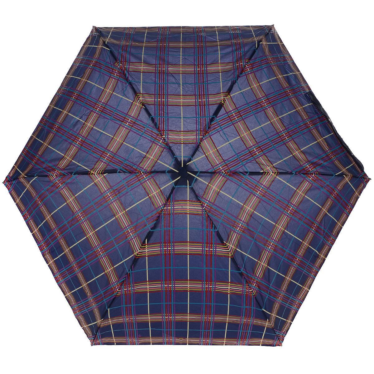 """Зонт женский Fulton Check, механический, 5 сложений, цвет: синийL501 3F2618Стильный сверхкомпактный зонт """"Check"""" защитит от непогоды, а его компактный размер позволит вам всегда носить его с собой. """"Ветростойкий"""" плоский алюминиевый каркас в 5 сложений состоит из шести спиц с элементами из фибергласса, зонт оснащен удобной рукояткой из пластика. Купол зонта выполнен из прочного полиэстера синего цвета и оформлен принтом в клетку. На рукоятке для удобства есть небольшой шнурок, позволяющий надеть зонт на руку тогда, когда это будет необходимо. К зонту прилагается чехол. Зонт механического сложения: купол открывается и закрывается вручную, стержень также складывается вручную до характерного щелчка."""