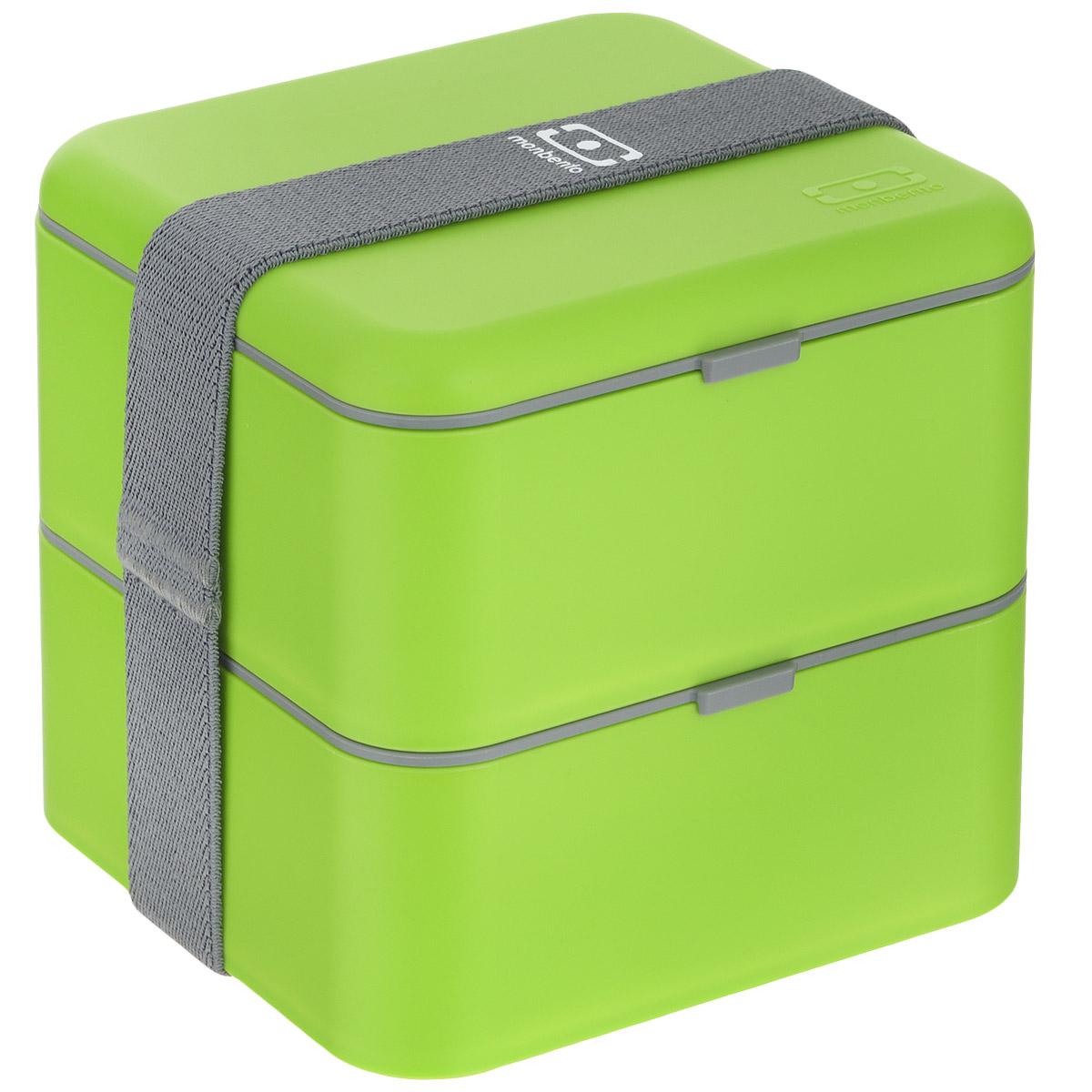 Ланчбокс Monbento Square, цвет: зеленый, 1,7 л1200 03 005Ланчбокс Monbento Square изготовлен из высококачественного пищевого пластика. Предназначен для хранения и переноски пищевых продуктов в больших порциях: подходит для салатов, бутербродов и других блюд. Ланчбокс представляет собой два квадратных контейнера, в которых удобно хранить сразу несколько видов блюд. Контейнеры вакуумные, что позволяет продуктам дольше оставаться свежими и вкусными. Контейнеры скрепляются эластичной резинкой. Компактные размеры позволят уместить ланчбокс в любой сумке. Его удобно взять с собой на работу, отдых, в поездку. Теперь любимая домашняя еда всегда будет под рукой, а яркий дизайн поднимет настроение и подарит заряд позитива. Можно использовать в микроволновой печи и для хранения пищи в холодильнике, можно мыть в посудомоечной машине. Объем: 1,7 л. Общий размер ланчбокса: 14 см х 14 см х 14 см. Размер контейнера: 14 см х 14 см х 8 см.