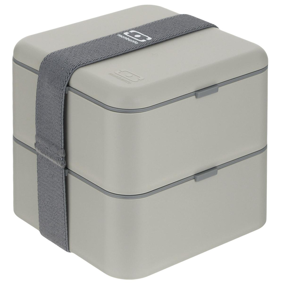 Ланчбокс Monbento Square, цвет: серый, 1,7 л1200 03 010Ланчбокс Monbento Square изготовлен из высококачественного пищевого пластика. Предназначен для хранения и переноски пищевых продуктов в больших порциях: подходит для салатов, бутербродов и других блюд. Ланчбокс представляет собой два квадратных контейнера, в которых удобно хранить сразу несколько видов блюд. Контейнеры вакуумные, что позволяет продуктам дольше оставаться свежими и вкусными. Контейнеры скрепляются эластичной резинкой. Компактные размеры позволят уместить ланчбокс в любой сумке. Его удобно взять с собой на работу, отдых, в поездку. Теперь любимая домашняя еда всегда будет под рукой, а яркий дизайн поднимет настроение и подарит заряд позитива. Можно использовать в микроволновой печи и для хранения пищи в холодильнике, можно мыть в посудомоечной машине. Объем: 1,7 л. Общий размер ланчбокса: 14 см х 14 см х 14 см. Размер контейнера: 14 см х 14 см х 8 см.