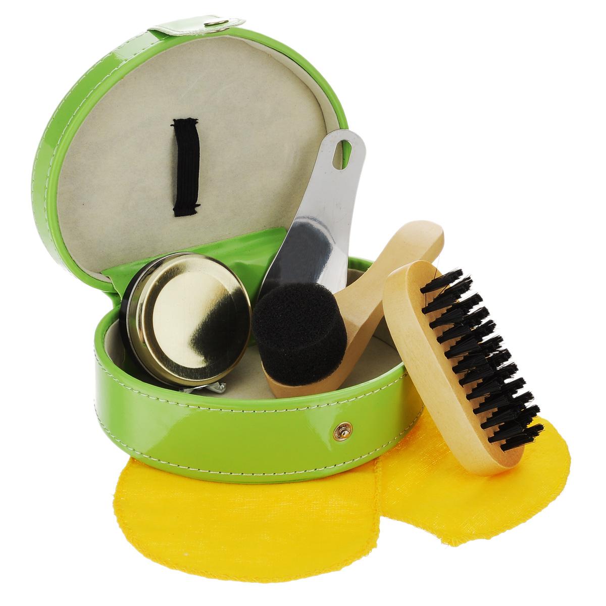Набор дорожный для ухода за обувью Феникс-презент, в футляре, цвет: зеленый, 6 предметов. 2512425124Дорожный набор для ухода за обувью Феникс-презент предназначен для защиты вашей обуви от уличной грязи. Набор хранится в элегантном футляре, который изготовлен из полиуретана. В набор входит 6 предметов: крем для обуви (черный), губка, щетка для обуви, кусочек ткани для полировки, стальная ложка для обуви и футляр. Такой набор будет незаменим в дороге, путешествии или дома. Размер футляра: 14 см х 10,5 см х 6 см. Размер щетки: 9 см х 4 см х 3 см. Размер губки: 10 см х 4 см х 4 см. Размер ткани: 24 см х 11 см. Размер ложки: 10 см х 4 см. Материал: текстиль, полиуретан, поролон, металл.