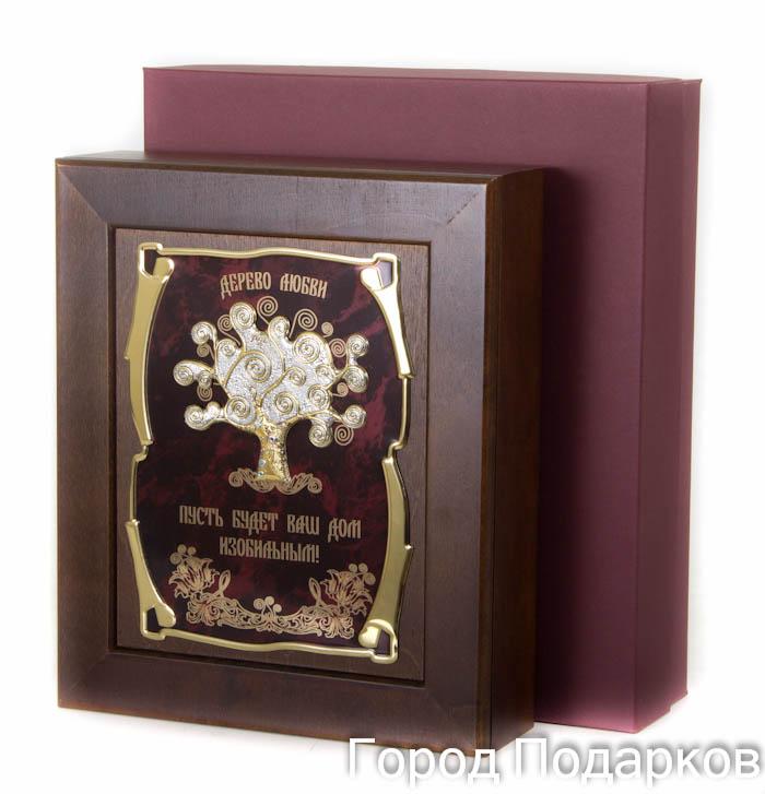 Ключница Дерево любви Пусть будет Ваш дом изобильным, 36,5 х 32 см, подарочная коробка50216001Настенная ключница из натурального дерева, с натурального деревас внутренней бархатной отделкой, декорированна метализированной пластиной с лазерной гравировкой и накладкой, упакованна в подарочный футляр, размер 36,5х32х7см, коричневый/золотой