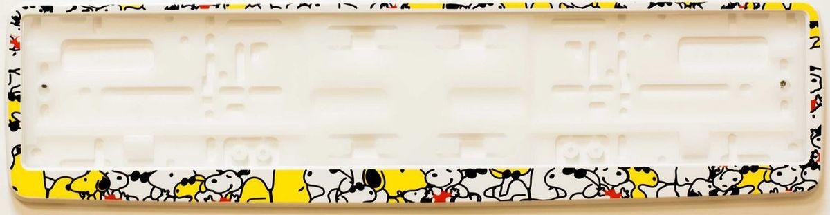 Рамка под номер СобачкиЗ0000014320Рамка Собачки не только закрепит регистрационный знак на вашем автомобиле, но и красиво его оформит. Основание рамки выполнено из полипропилена, материал лицевой панели - пластик. Она предназначена для крепления регистрационного знака российского и европейского образца, декорирована изображением милых собачек. Устанавливается на все типы автомобилей. Крепления в комплект не входят. Стильный дизайн идеально впишется в экстерьер вашего автомобиля. Размер рамки: 53,5 см х 13,5 см. Размер регистрационного знака: 52,5 см х 11,5 см.