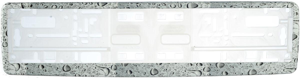 Рамка под номер КаплиЗ0000014103Рамка Капли не только закрепит регистрационный знак на вашем автомобиле, но и красиво его оформит. Основание рамки выполнено из полипропилена, материал лицевой панели - пластик. Она предназначена для крепления регистрационного знака российского и европейского образца, декорирована изображением капель. Устанавливается на все типы автомобилей. Крепления в комплект не входят. Стильный дизайн идеально впишется в экстерьер вашего автомобиля. Размер рамки: 53,5 см х 13,5 см. Размер регистрационного знака: 52,5 см х 11,5 см.