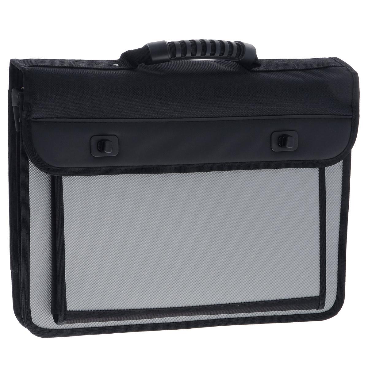 Berlingo Папка-портфель на застежках цвет черный серыйADb_04058Папка-портфель Berlingo - это удобный и практичный офисный инструмент, предназначенный для хранения и транспортировки большого количества рабочих бумаг и документов формата А4. Папка-портфель изготовлена из плотного пластика с зернистым тиснением, оснащена удобной ручкой для переноски, закрывается на клапан с 2 пластиковыми замками. Грани папки имеют мягкую отделку. Папка состоит из 2 отделений, разделенных пластиковым разделителем. Внутри расположены 3 открытых кармана, 3 кармашка для ручек и накладной карман на застежке-молнии. Фронтальная сторона сумки дополнена вместительным карманом, закрывающимся на клапан с липучкой и разграниченный пластиковым разделителем. На тыльной стороне расположен прорезной карман на застежке-молнии. Папка оснащена удобным плечевым ремнем с эргономичной мягкой накладкой. Папка-портфель - это незаменимый атрибут для студента, школьника, офисного работника. Такая папка надежно сохранит ваши документы и сбережет их от повреждений, пыли и...