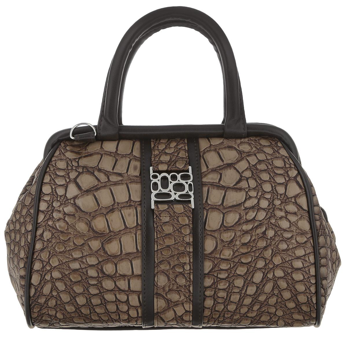 Сумка женская Zemsa, цвет: коричневый, бежевый. 6-2696-269Стильная женская сумка Zemsa изготовлена из искусственной кожи, оформлена прострочками и металлической фигурной пластиной серебряного цвета. Изделие закрывается на удобную застежку-молнию с двумя бегунками. Внутри - одно вместительное отделение, несколько накладных карманчиков для мелочей, телефона и врезной карманчик на застежке-молнии. Задняя сторона сумки дополнена втачным карманом на застежке-молнии. Модель дополнена съемным плечевым ремнем. Роскошная сумка внесет элегантные нотки в ваш образ и подчеркнет ваше отменное чувство стиля.
