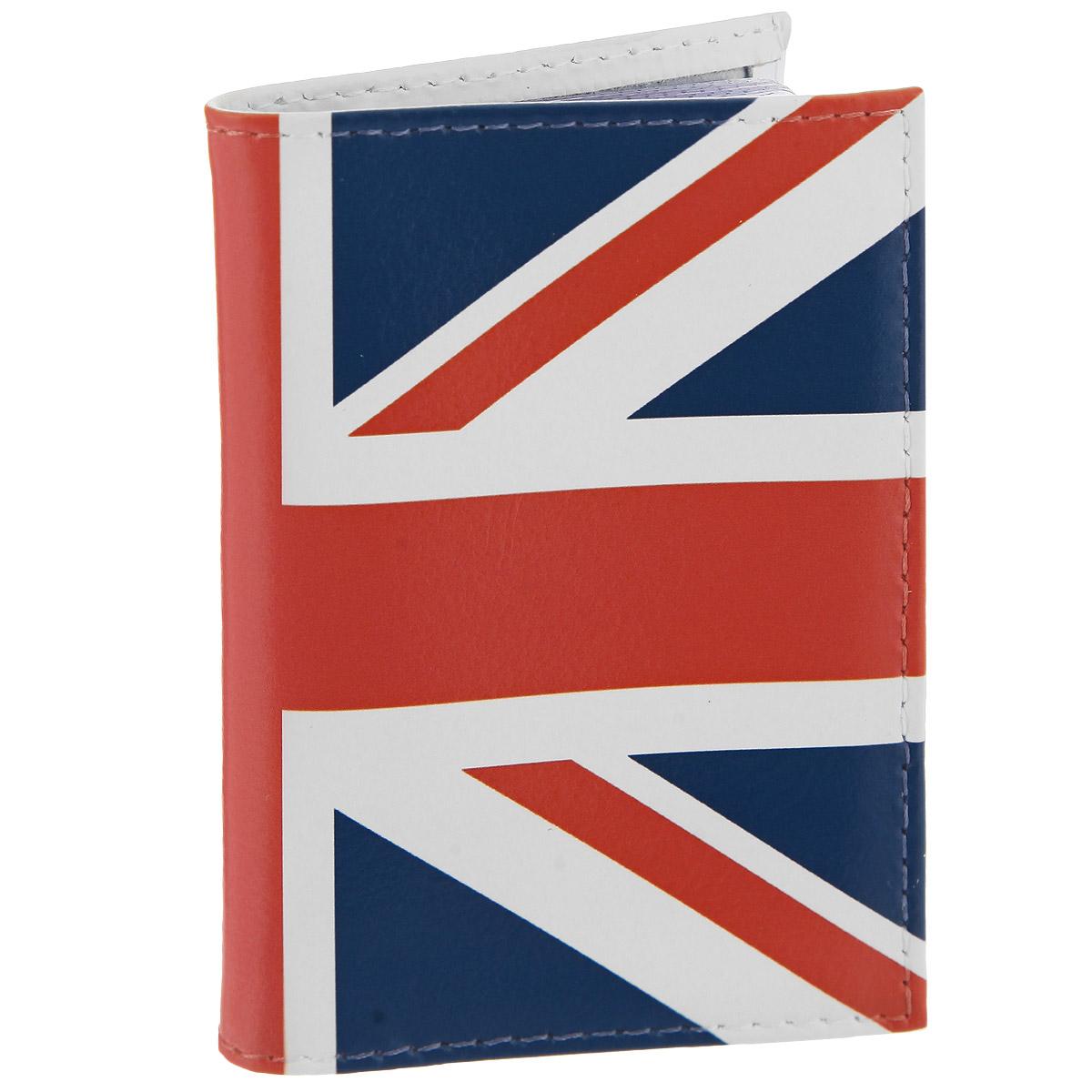 Визитница Британский флаг в краске. VIZIT-146VIZIT146Оригинальная визитница Mitya Veselkov Британский флаг прекрасно подойдет для хранения визиток и кредитных карт. Обложка выполнена из натуральной высококачественной кожи и стилизована под британский флаг. Внутри содержится съемный блок из прозрачного мягкого пластика на 18 визиток и 2 прозрачных вертикальных кармана. Стильная визитница подчеркнет вашу индивидуальность и изысканный вкус, а также станет замечательным подарком человеку, ценящему качественные и практичные вещи.