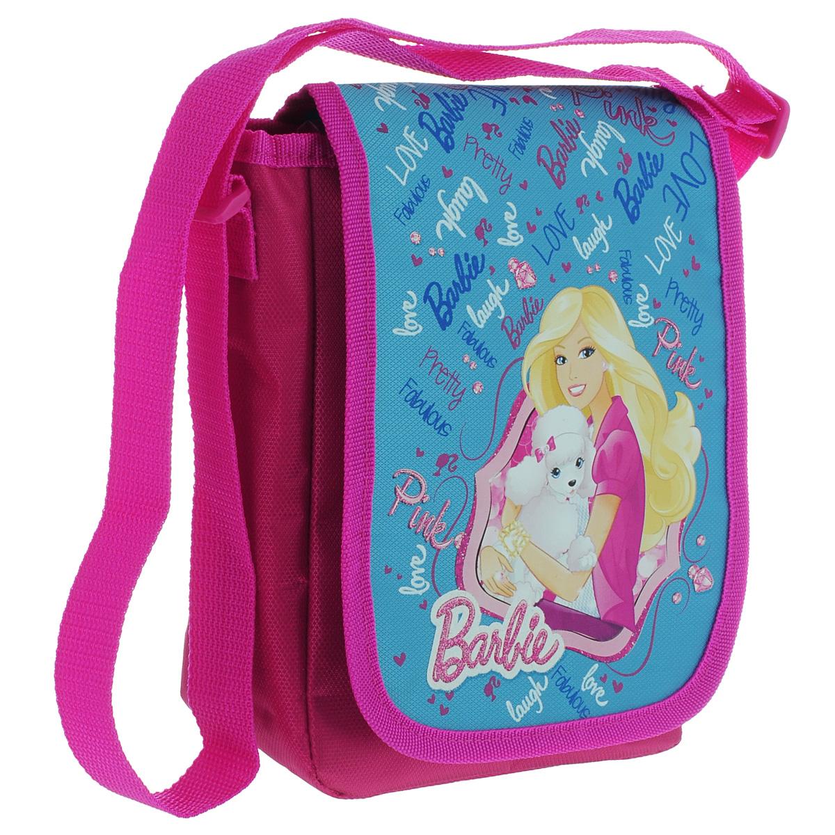Сумка детская на плечо Barbie, цвет: розовый, голубойBRBB-UT1-4060Детская сумка Barbie выполнена из прочного полиэстера и оформлена термоаппликацией с изображением очаровательной Барби с белым пуделем. Сумочка содержит одно отделение и закрывается клапаном на липучку. Внутри находится пришивной кармашек для мелочей на молнии. Сумочка оснащена регулируемым по длине текстильным ремнем для переноски на плече, благодаря чему подойдет ребенку любого роста. Рекомендуемый возраст: от 7 до 10 лет.