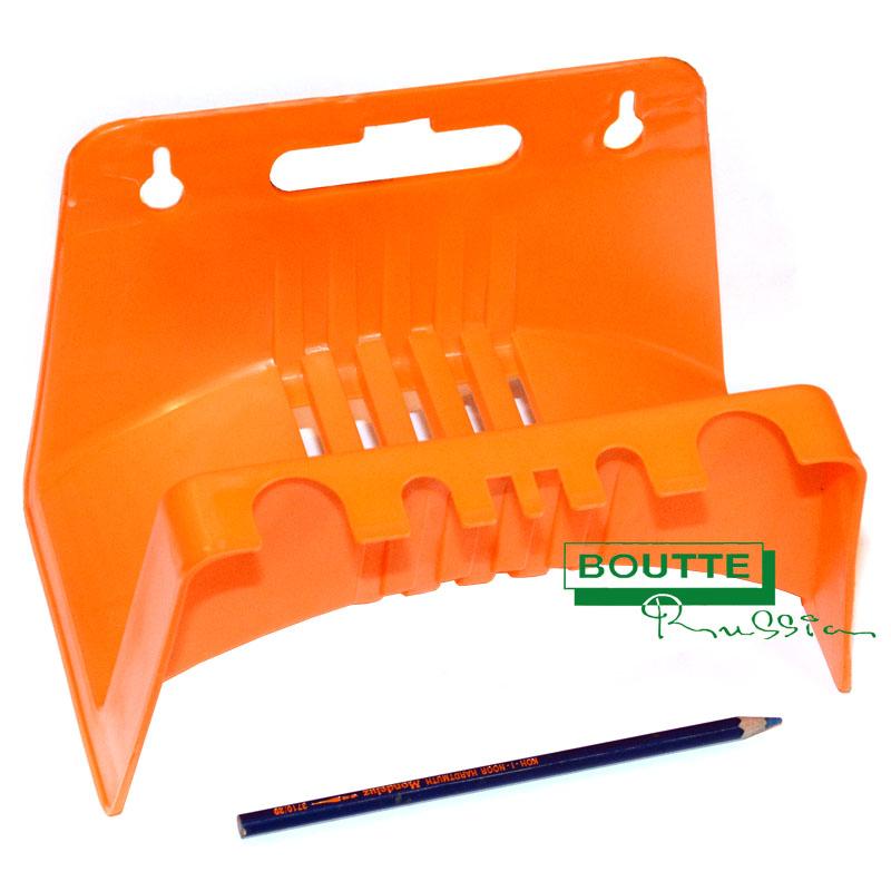 Подвеска для шланга Гарденкрафт, цвет: оранжевый. TS5008TS5008Удобная пластиковая подвеска Гарденкрафт крепится к стене и надежно удерживает шланг. С такой подвеской поливочные шланги не займут много места в вашем саду. Размер подвески: 23 см х 12,5 см х 15,5 см.