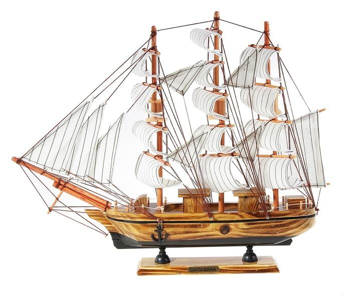 Корабль сувенирный Santa Maria, длина 40 см. 564184564184Сувенирный корабль Santa Maria, изготовленный из дерева и текстиля, это великолепный элемент декора рабочей зоны в офисе или кабинете. Корабль с парусами и якорями помещен на деревянную подставку. Время идет, и мы становимся свидетелями развития технического прогресса, новых учений и практик. Но одно не подвластно времени - это любовь человека к морю и кораблям. Сувенирный корабль наполнен историей и силой океанских вод. Данная модель кораблика станет отличным подарком для всех любителей морей, поклонников историй о покорении океанов и неизведанных земель. Модель корабля - подарок со смыслом. Издавна на Руси считалось, что корабли приносят удачу и везение. Поэтому их изображения, фигурки и точные копии всегда присутствовали в помещениях. Удивите себя и своих близких необычным презентом.