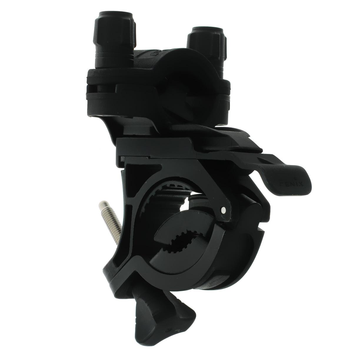 Крепление велосипедное Fenix ALB-10ALB-10В целом, конструкция крепления Fenix ALB-10 разработана таким образом, что процесс крепления и фиксации фонаря осуществляется крайне просто и занимает минимум времени. Проработаны мельчайшие детали, способствующие быстрой адаптации крепления под соответствующий инструмент. В итоге Fenix ALB-10 представляет собой гениально простое решение для приспособления фонаря в нужное место для определенных целей. Велосипедное крепление Fenix ALB-10 вполне традиционно не имеет ничего лишнего — лишь самый необходимый функционал, в который помимо основной задачи закрепления фонаря на руле входит также и возможность регулировать направление света горизонтально в пределах 30°. Совмещая и комбинируя некоторые детали можно добиться полной ликвидации эффекта встряски, которая происходит во время движения, особенно по пересеченной местности. Правильно используя каучуковые прокладки, вы значительно обезопасите ваш фонарь от нежелательных потрясений. Подходит для UC35, UC40, TK22, TK15,...