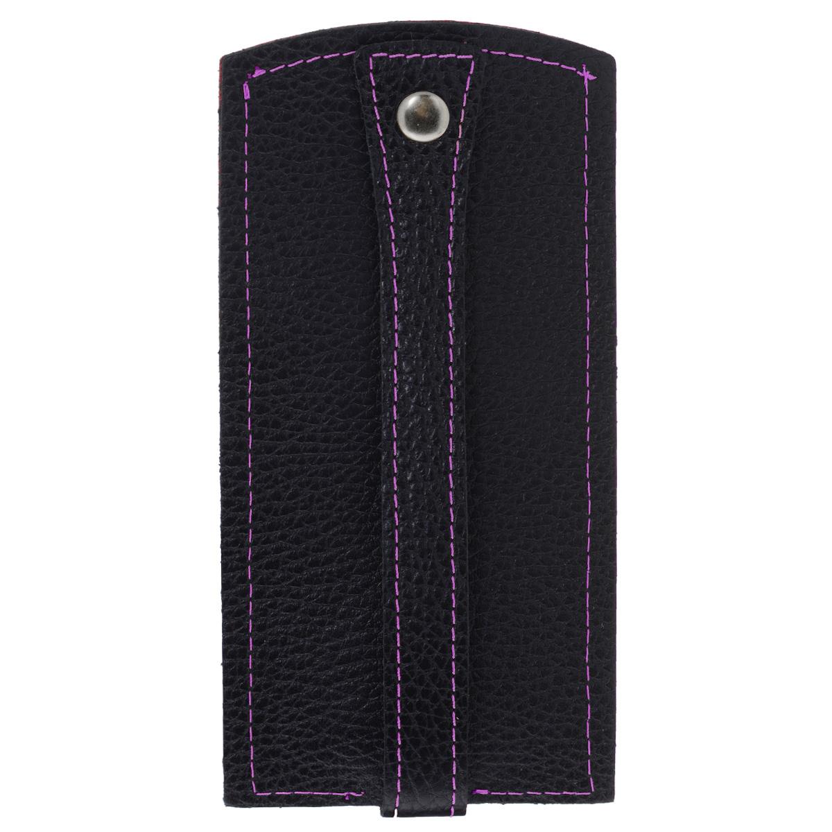 Ключница Dimanche Mumi, цвет: черный, фиолетовый. 056056Изысканная ключница Dimanche Mumi изготовлена из высококачественной натуральной кожи и декорирована фактурным тиснением. Изделие закрывается хлястиком на кнопку. На нижнем конце хлястика расположено металлическое кольцо для крепления ключей. Ключница упакована в пластиковый чехол. Модная ключница прекрасно дополнит ваш образ и станет незаменимым аксессуаром на каждый день.