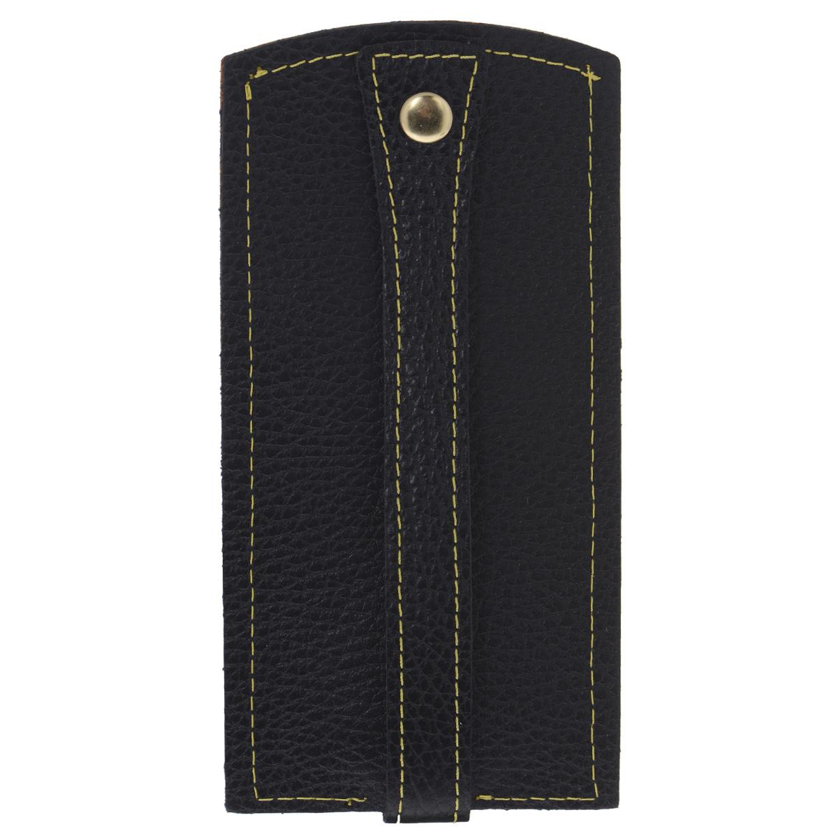 Ключница Dimanche Mumi, цвет: черный, желтый. 066066Изысканная ключница Dimanche Mumi изготовлена из высококачественной натуральной кожи и декорирована фактурным тиснением. Изделие закрывается хлястиком на кнопку. На нижнем конце хлястика расположено металлическое кольцо для крепления ключей. Ключница упакована в пластиковый чехол. Модная ключница прекрасно дополнит ваш образ и станет незаменимым аксессуаром на каждый день.