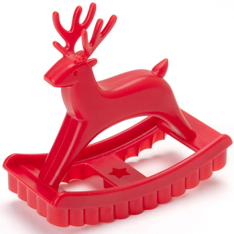 Форма для печенья Ototo Sweet deer, цвет: красный, 11 см х 4,5 смOT809Форма для печенья Ototo Sweet deer изготовлена из высококачественного и прочного пластика в виде оленя-качалки. С такой формой легко и просто вырезать фигурное тесто для приготовления домашнего печенья. Форма для печенья Ototo Sweet deer вдохновит вас и вашего ребенка на кулинарные шедевры. Можно мыть в посудомоечной машине. Размер полученного печенья: 11 см х 4,5 см.