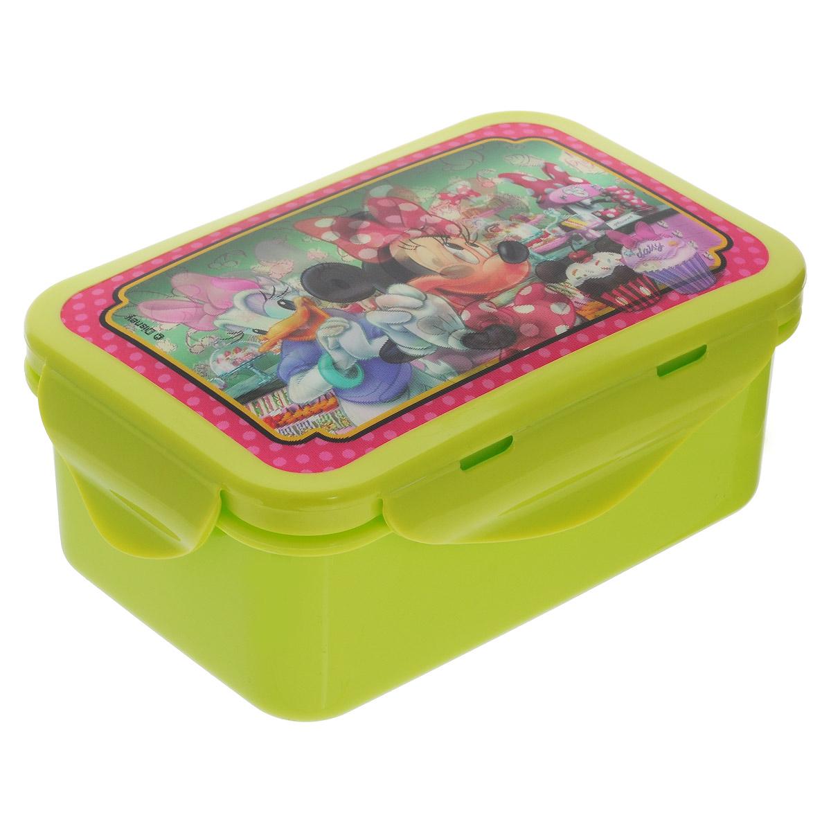 Бутербродница Disney Минни и Дейзи, цвет: салатовый, 15 см х 10 см х 6 см722M1VБутербродница Disney Минни и Дейзи выполнена из высококачественного пищевого пластика, что очень удобно и безопасно для детей, так как пластик не бьется. Крышка оформлена объемным изображением Минни и Дейзи, которое меняется под разным углом зрения. Крышка плотно закрывается на 4 защелки, а благодаря силиконовой прослойке дольше сохраняет пищу свежей и вкусной. Контейнер имеет прямоугольную форму, идеально подходит для бутербродов, салатов и закусок. Такая бутербродница позволит перекусить любимым домашним бутербродом где угодно: в школе, в походе, поездке, на пикнике. Не занимает много места и легко помещается в любую сумку. Нельзя использовать в СВЧ и мыть в посудомоечной машине. Изготовлено по лицензии Walt Disney.