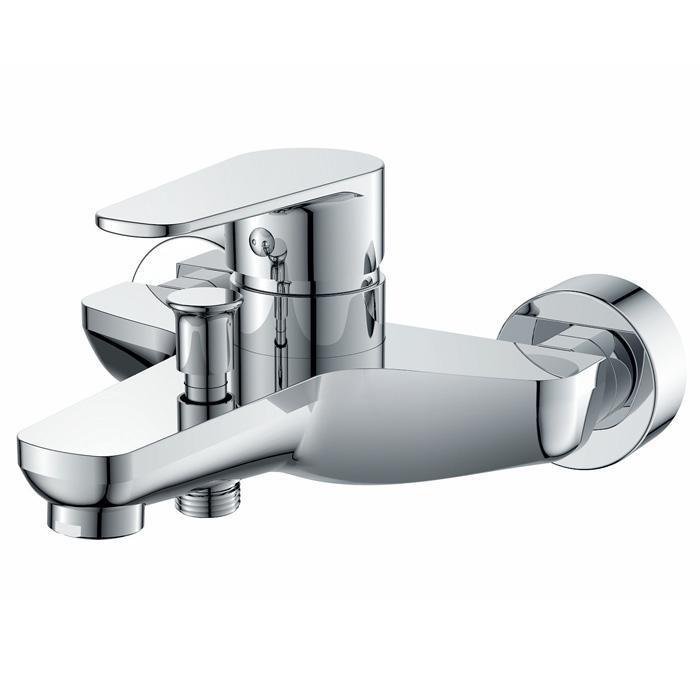 Смеситель для ванны кор. излив, серия SoloSo1030Материал: латунь