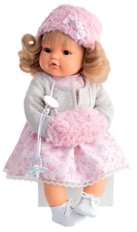 Munecas Antonio Juan Пупс Белла цвет платья белый1669WИнтерактивная кукла Antonio Juan Белла - чудесная малышка, которая порадует вашу маленькую принцессу и доставит ей много удовольствия от часов, посвященных игре с ней. У нее очаровательные глазки, длинные реснички и светлые волосы. Малышка одета в красивое платьице, белые шортики и вязаную кофточку. На ножках у Беллы белые ботиночки, а на голове модная шапочка с бантом. Ручки малышка спрятала в розовую муфту. Тело куклы мягконабивное, а подвижные голова, ножки и ручки выполнены из высококачественного винила. В комплект входит соска. Если вынуть ее изо рта, малышка начинает плакать и говорить: Мама, папа!. Достаточно снова дать соску Белле, и она тут же успокоится. Игра с куклой разовьет в вашей малышке чувство ответственности и заботы. Порадуйте свою принцессу таким великолепным подарком! Рекомендуется докупить 3 батарейки напряжением 1,5V типа AG13/LR44 (товар комплектуется демонстрационными). Munecas Antonio Juan (куклы Антонио Хуан) -...