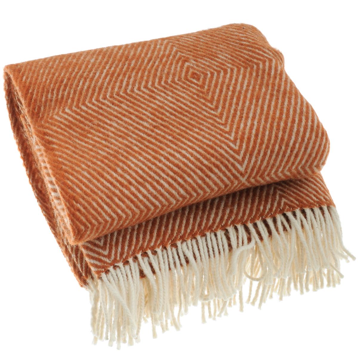 Плед Руно Bergamo, цвет: коричневый, 140 х 200 см 1-711-140_061-711-140_06Теплый и уютный плед с кисточками Руно Bergamo выполнен из натуральной овечьей шерсти с добавлением искусственного волокна и оформлен принтом в полоску. Плед изготовлен с молезащитной обработкой. Под шерстяным пледом вам никогда не станет жарко или холодно, он помогает поддерживать постоянную температуру тела. Шерсть обладает прекрасной воздухопроницаемостью, она поглощает и нейтрализует вредные вещества и славится своими целебными свойствами. Плед из шерсти станет лучшим лекарством для людей, страдающих ревматизмом, радикулитом, головными и мышечными болями, сердечно-сосудистыми заболеваниями и нарушениями кровообращения. Шерсть не электризуется. Она прочна, износостойка, долговечна. Наконец, шерсть просто приятна на ощупь, ее мягкость и фактура вызывают потрясающие тактильные ощущения! Такой плед идеально подойдет для дачного отдыха: он очень пригодится, как только захочется укутаться, дыша вечерним воздухом, выручит, если приехали гости, и...