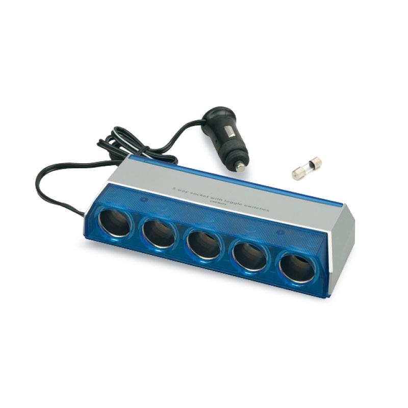 Разветвитель прикуривателя AVS CS501, со светодиодной подсветкой, 5 выходов, 12/24В43244Разветвитель прикуривателя AVS CS501, изготовленный из высокопрочного тугоплавкого пластика, позволяет подключать одновременно 5 приборов к автомобильной сети. Предназначен для автомобилей с напряжением бортовой сети 12/24В. Разветвитель оснащен светодиодным индикатором сети. Имеет защиту от короткого замыкания - плавкий предохранитель в корпусе штекера. Надежно фиксируется в гнезде прикуривателя и подходит для всех автомобилей.