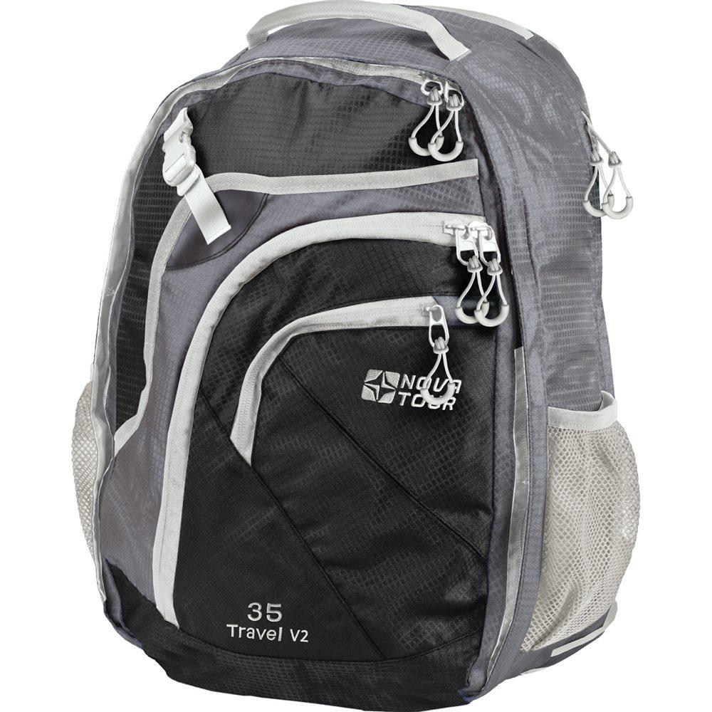 Рюкзак Nova Tour Трэвел 35 V2, цвет: серый, черный, 35 л95411-956-00Вместительный рюкзак-чемодан Nova Tour Трэвел 35 V2 позволит разместить в себе все необходимое благодаря множеству отделений и карманов. Выполнен из прочного полиэстера. Имеет 1 вместительное отделение на застежке-молнии с двумя бегунками, внутри которого расположен сетчатый карман и карман на застежке-молнии. На передней части расположен карман на пластиковой защелке и 2 кармана на застежке-молнии. Внутри одного из карманов имеется карабин для ключей. По бокам имеется 2 сетчатых кармана. Сверху расположен мягкий карман для очков. Объем может быть увеличен на 10 л за счет молнии.