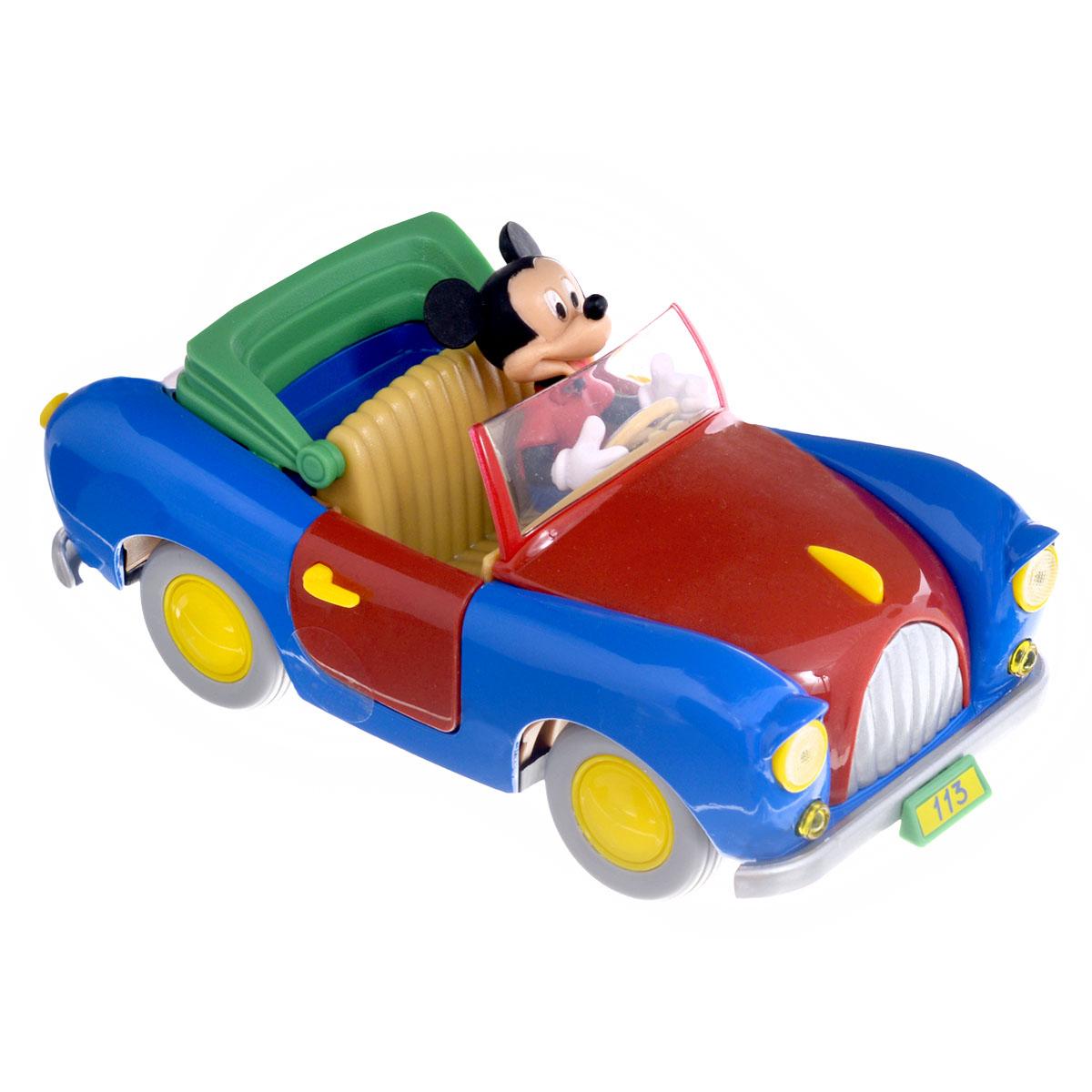 Disney Машинка Микки Маус499227Красочная машинка Disney Motorama Микки Маус приведет в восторг вашего малыша! Она выполнена из металла с элементами из пластика и представляет собой уменьшенную копию автомобиля Микки Мауса с фигуркой мышонка за рулем. Двери машинки открываются; прорезиненные колеса крутятся. Занятия с такой игрушкой помогут вашему малышу развить воображение и мышление. Ребенок проведет за игрой множество увлекательных часов, придумывая различные истории с участием любимого персонажа.