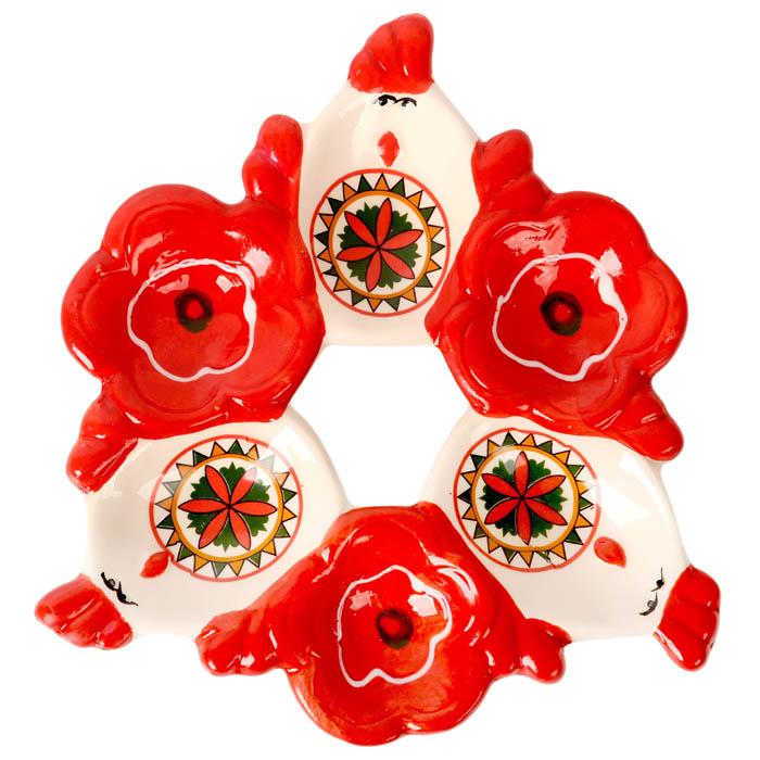 Подставка под яйца Home Queen Народные промыслы, цвет: белый, красный, 6 ячеек66714Подставка Home Queen Народные промыслы станет оригинальным украшением праздничного стола на Пасху. Изделие изготовлено из керамики и служит держателем для яиц. Подставка выполнена в виде 6 ячеек в форме курочек и цветов и декорирована красивым узором. Подставка Home Queen Народные промыслы может стать красивым пасхальным подарком для друзей или близких. Размер подставки: 16,5 см х 16 см х 2,5 см. Размер ячейки курица: 4 см х 5,5 см. Диаметр ячейки цветок: 4 см.