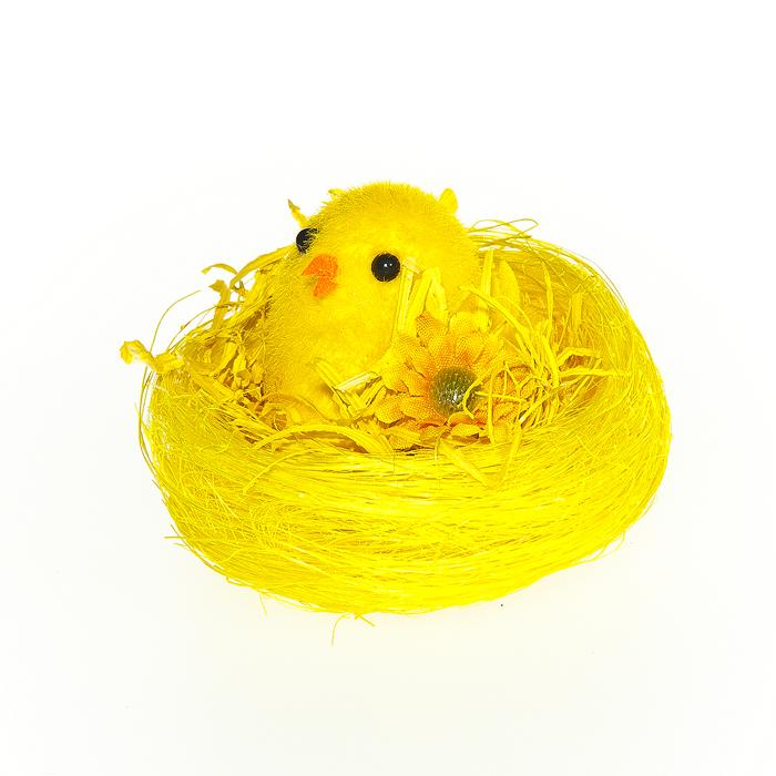 Декоративное украшение Home Queen Цыпленок в гнезде, 8 х 8 х 5 см64349Декоративное украшение Home Queen Цыпленок в гнезде изготовлено из сизаля, полиэстера и пластика. Украшение выполнено в виде птенчика в гнезде. Такое украшение прекрасно оформит интерьер дома или станет замечательным подарком для друзей и близких на Пасху.
