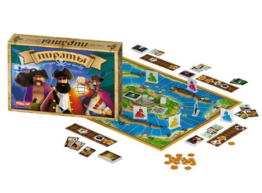 Настольная игра Stellar Пираты01153Увлекательная настольная игра Пираты простая и веселая, в ходе которой дети осваивают базовые навыки счета. Необходимо быть первым игроком передвинувшим цветные кружки по полю к сокровищу в центре. Побеждает тот, кто первым подходит своими четырьмя кружочками к сокровищу. Пускаясь в увлекательное приключение вместе с пиратами, дети осваивают навыки сложения и вычитания!