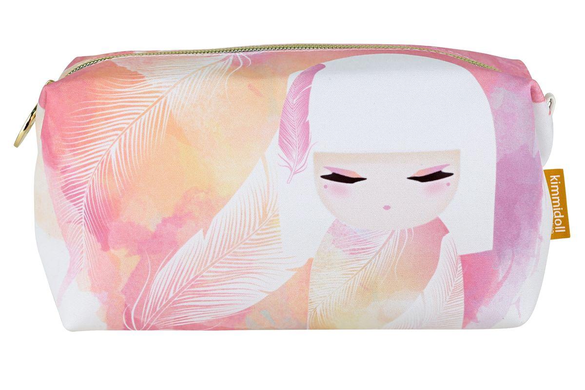 Косметичка Kimmidoll Мизуйо (Очарование)KF0992Косметичка Kimmidoll Мизуйо (Очарование), выполненная из текстиля в традиционном японском стиле, придется по душе всем ценителям стильных вещиц. Изделие оформлено изображением Мизуйо и перьев и содержит одно отделение, закрывающееся на застежку-молнию. Бегунок оформлен металлической пластиной с гравировкой Kimmidoll Collection. Косметичка отлично подойдет для хранения косметики и всех необходимых вещей. Ее можно использовать как пенал или дорожную аптечку. Привет, меня зовут Мизуйо! Я талисман очарования. Мой дух воодушевляет и радует. Ваша милая и обворожительная натура всегда согревает сердца и поднимает настроение, даря счастье и любовь вашим близким. Позвольте всем, кто знает вас, дорожить вашими редкими и прекрасными талантами.